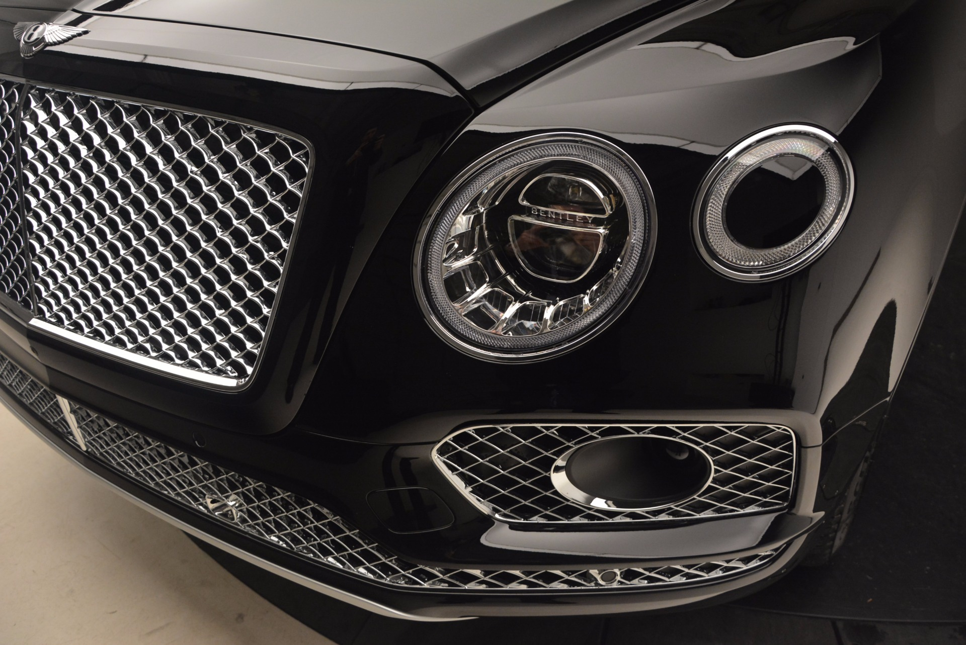 New 2018 Bentley Bentayga Activity Edition-Now with seating for 7!!! For Sale In Westport, CT 1255_p14