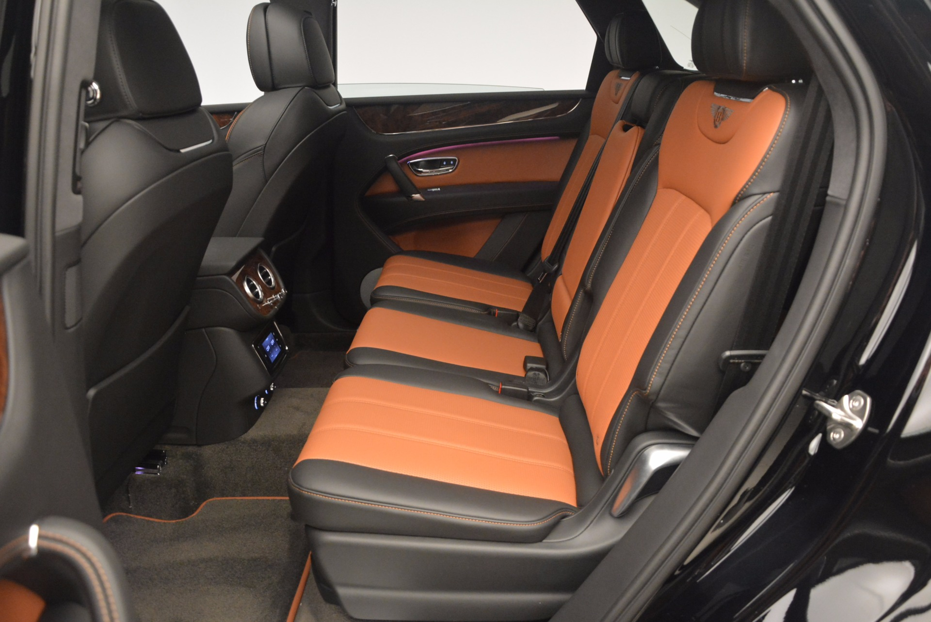 New 2018 Bentley Bentayga Activity Edition-Now with seating for 7!!! For Sale In Westport, CT 1255_p30