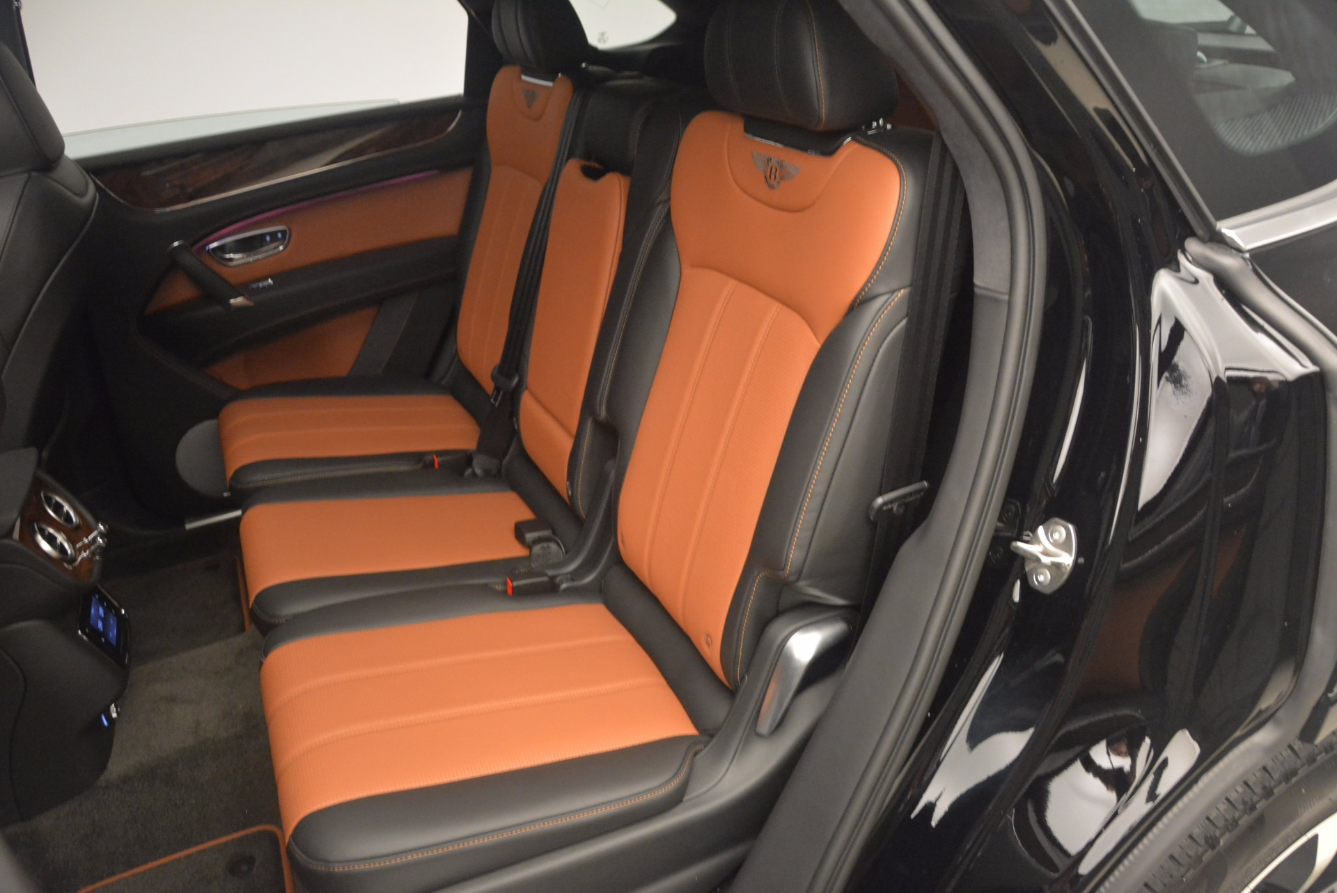 New 2018 Bentley Bentayga Activity Edition-Now with seating for 7!!! For Sale In Westport, CT 1255_p31