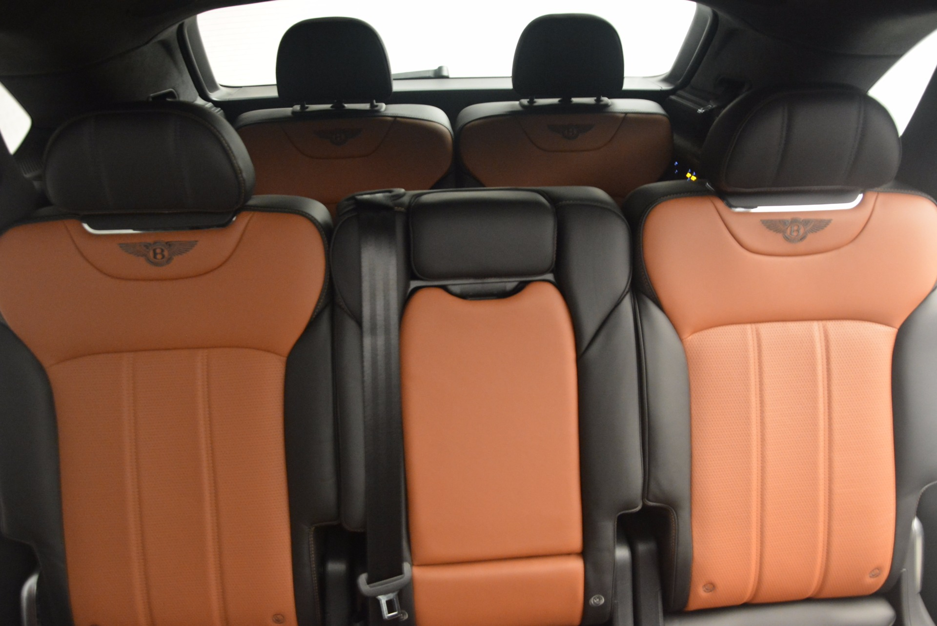 New 2018 Bentley Bentayga Activity Edition-Now with seating for 7!!! For Sale In Westport, CT 1255_p34