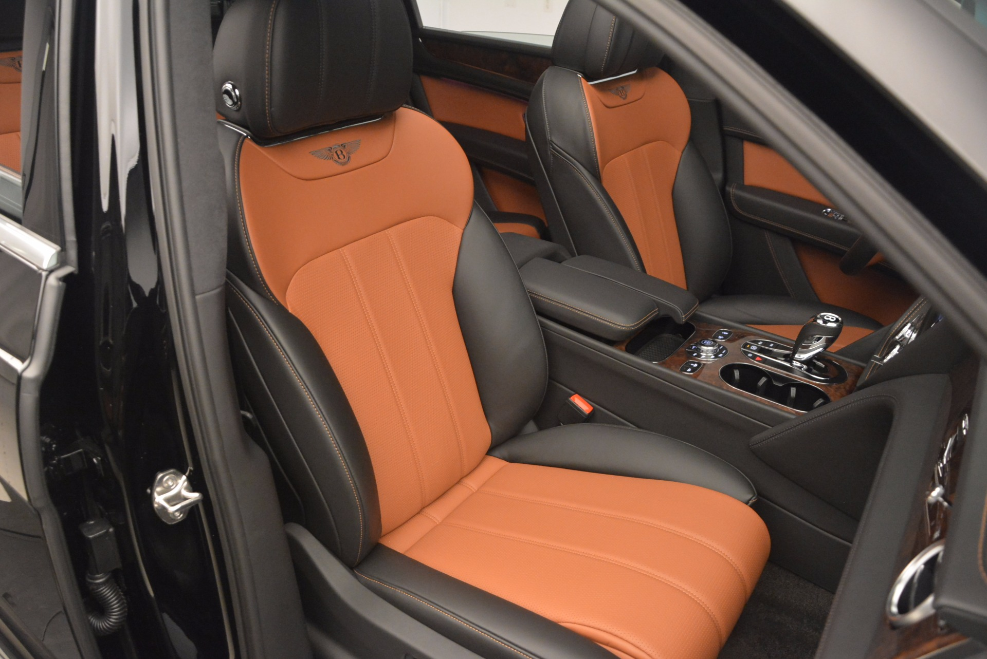 New 2018 Bentley Bentayga Activity Edition-Now with seating for 7!!! For Sale In Westport, CT 1255_p40