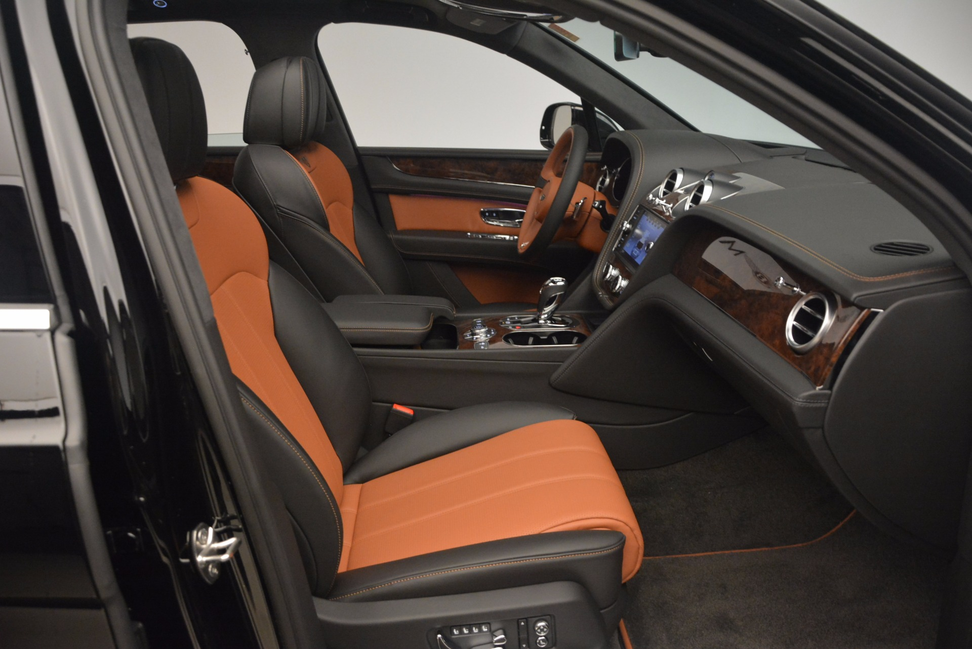 New 2018 Bentley Bentayga Activity Edition-Now with seating for 7!!! For Sale In Westport, CT 1255_p41