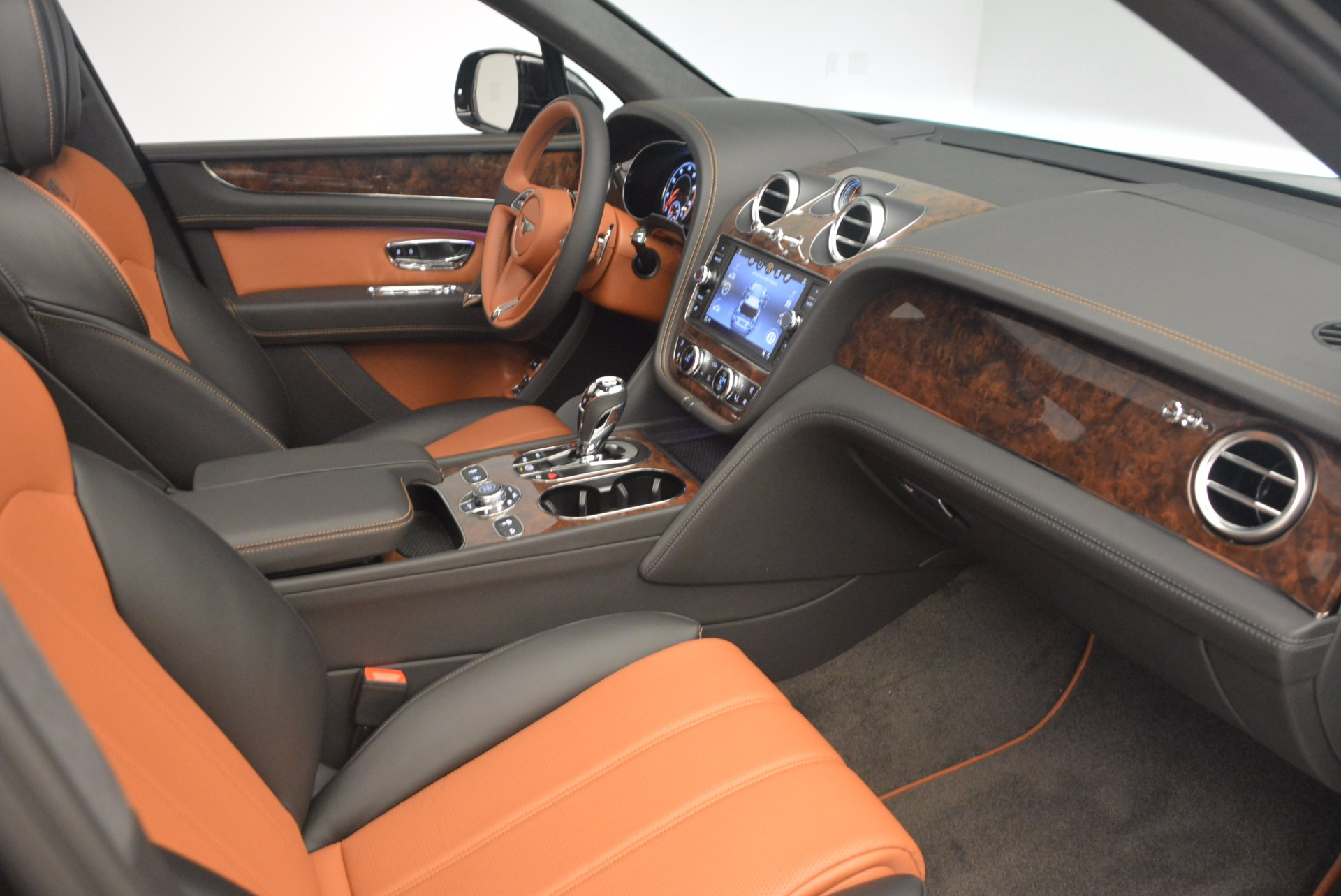 New 2018 Bentley Bentayga Activity Edition-Now with seating for 7!!! For Sale In Westport, CT 1255_p42