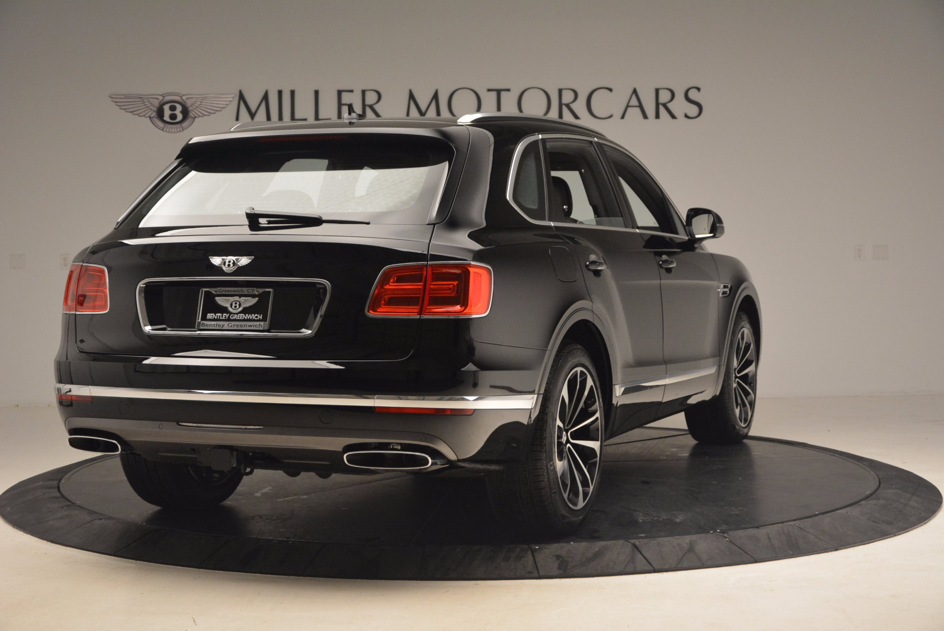 New 2018 Bentley Bentayga Activity Edition-Now with seating for 7!!! For Sale In Westport, CT 1255_p7