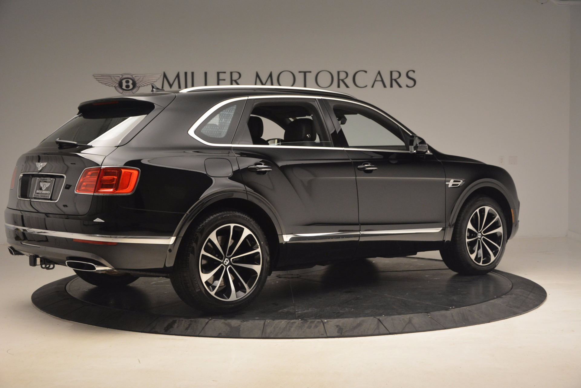 New 2018 Bentley Bentayga Activity Edition-Now with seating for 7!!! For Sale In Westport, CT 1255_p8