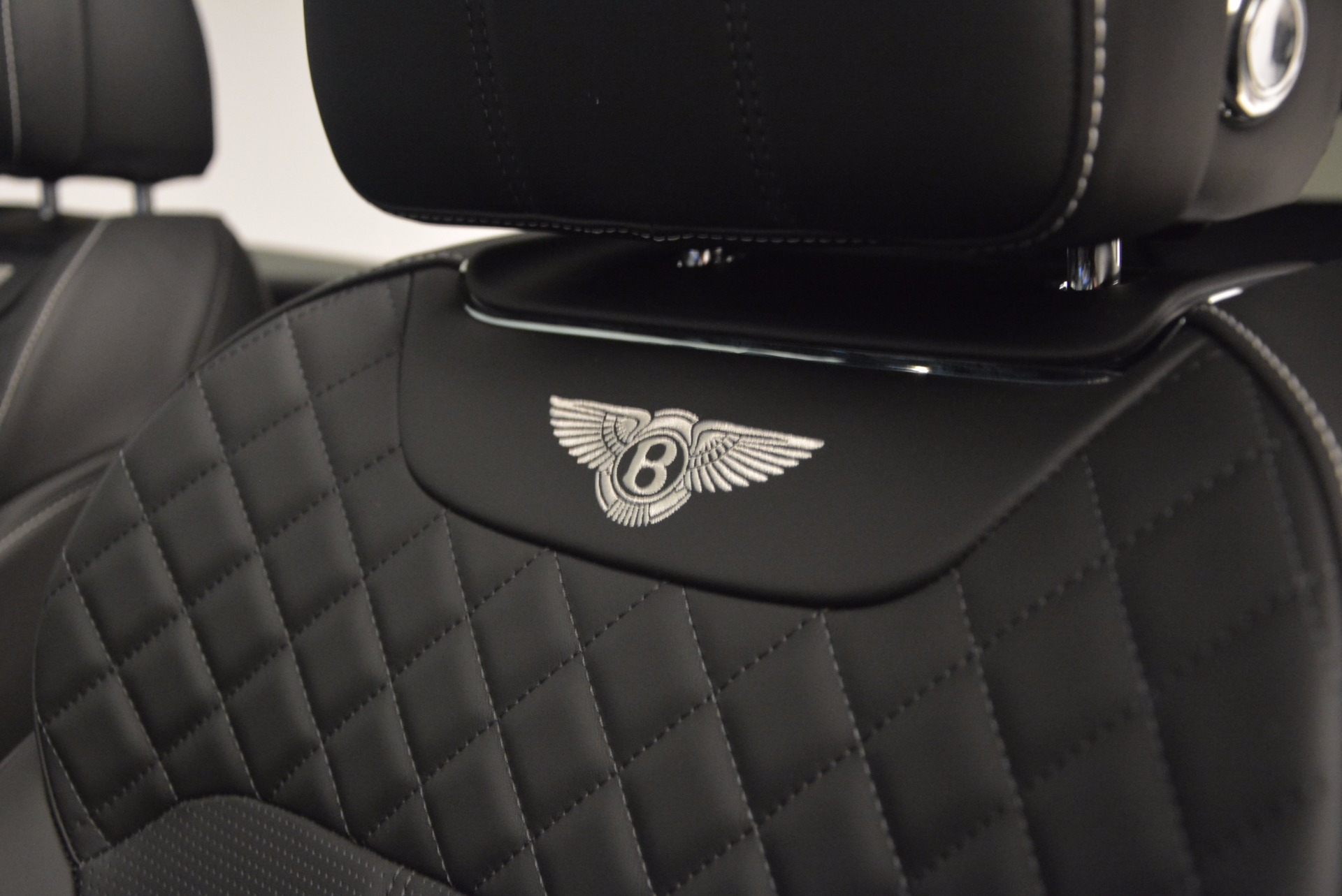 New 2018 Bentley Bentayga Black Edition For Sale In Westport, CT 1260_p31