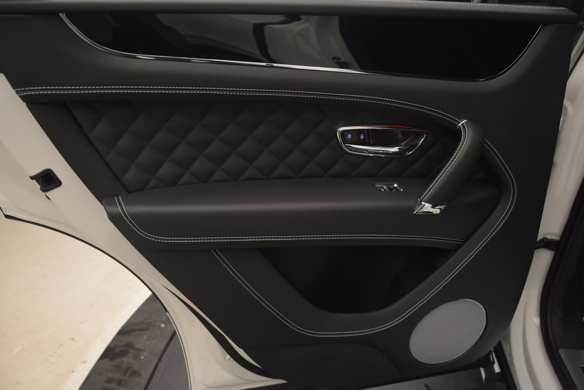 New 2018 Bentley Bentayga Black Edition For Sale In Westport, CT 1260_p32