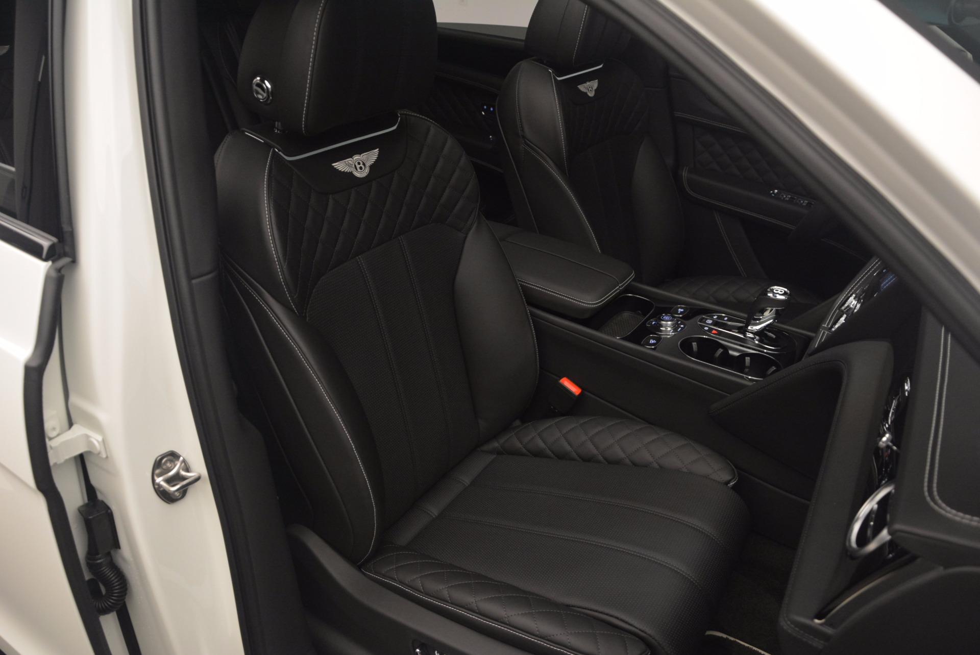 New 2018 Bentley Bentayga Black Edition For Sale In Westport, CT 1260_p42