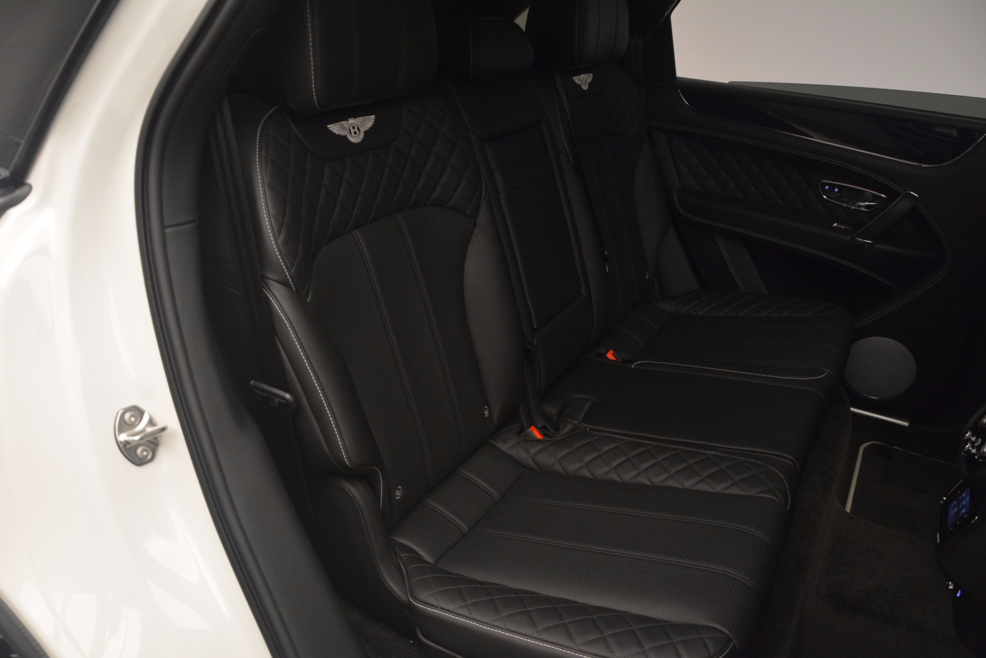 New 2018 Bentley Bentayga Black Edition For Sale In Westport, CT 1260_p47