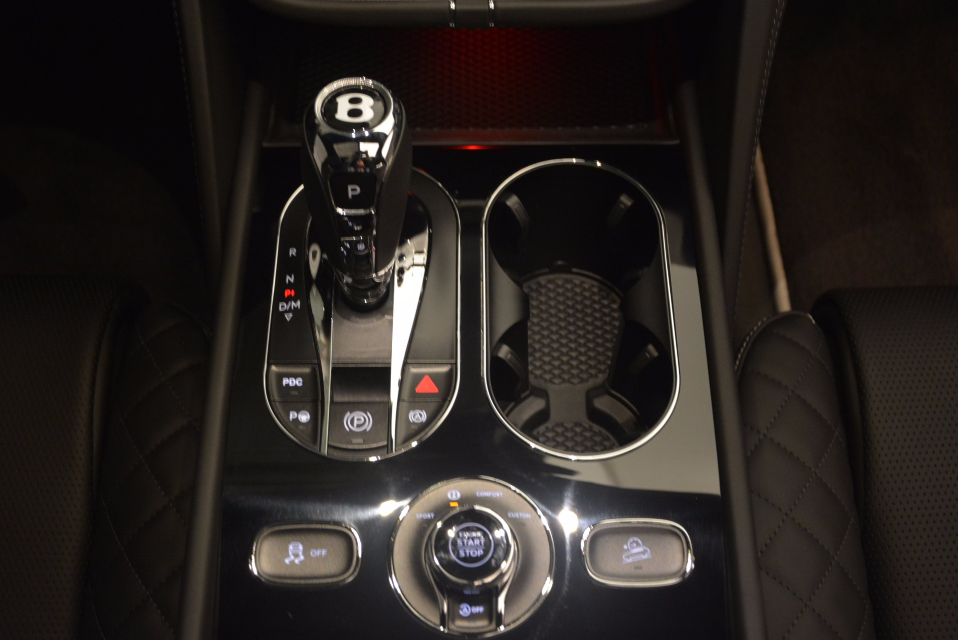 New 2018 Bentley Bentayga Black Edition For Sale In Westport, CT 1260_p51