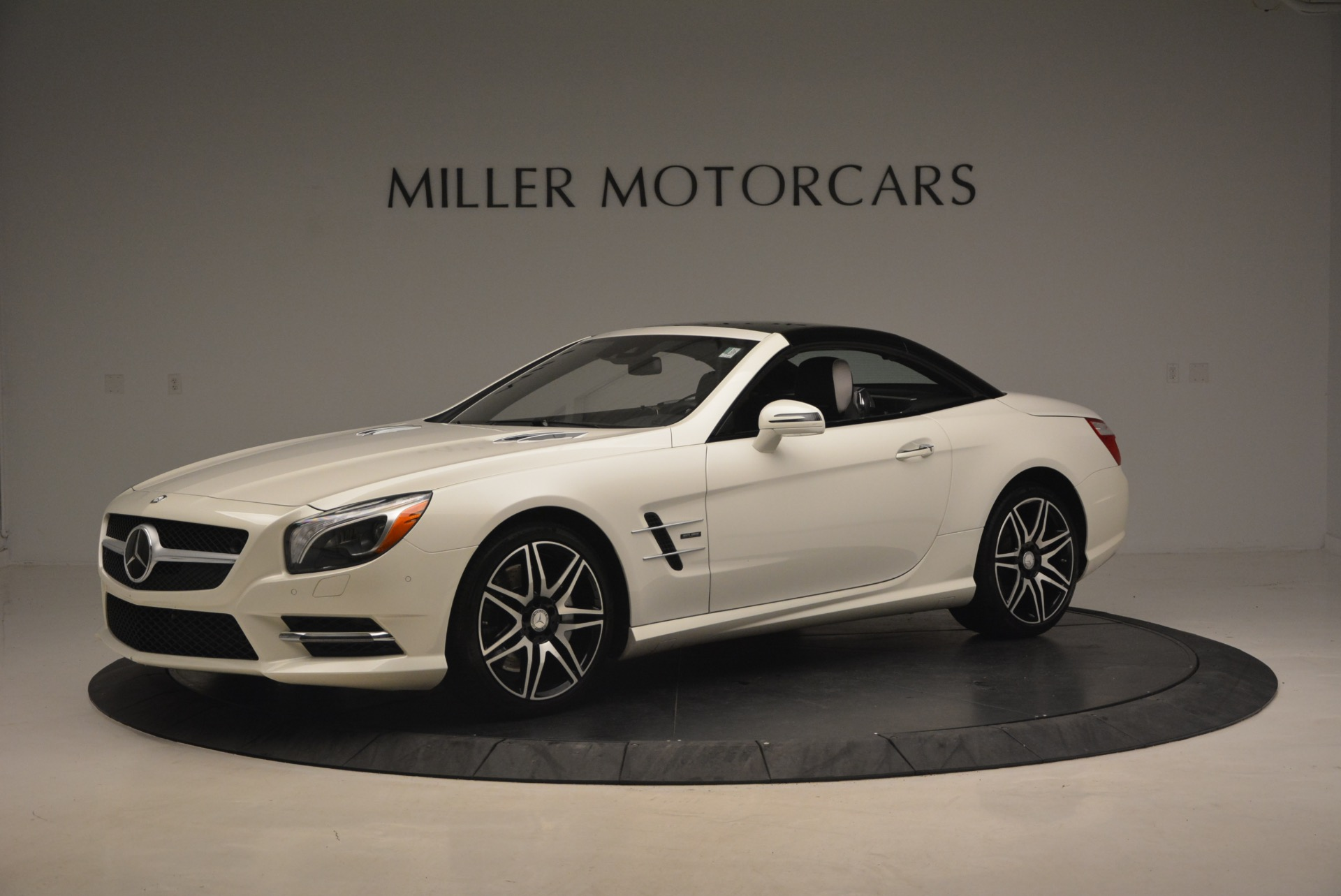 Used 2015 Mercedes Benz SL-Class SL 550 For Sale In Westport, CT 1261_p16