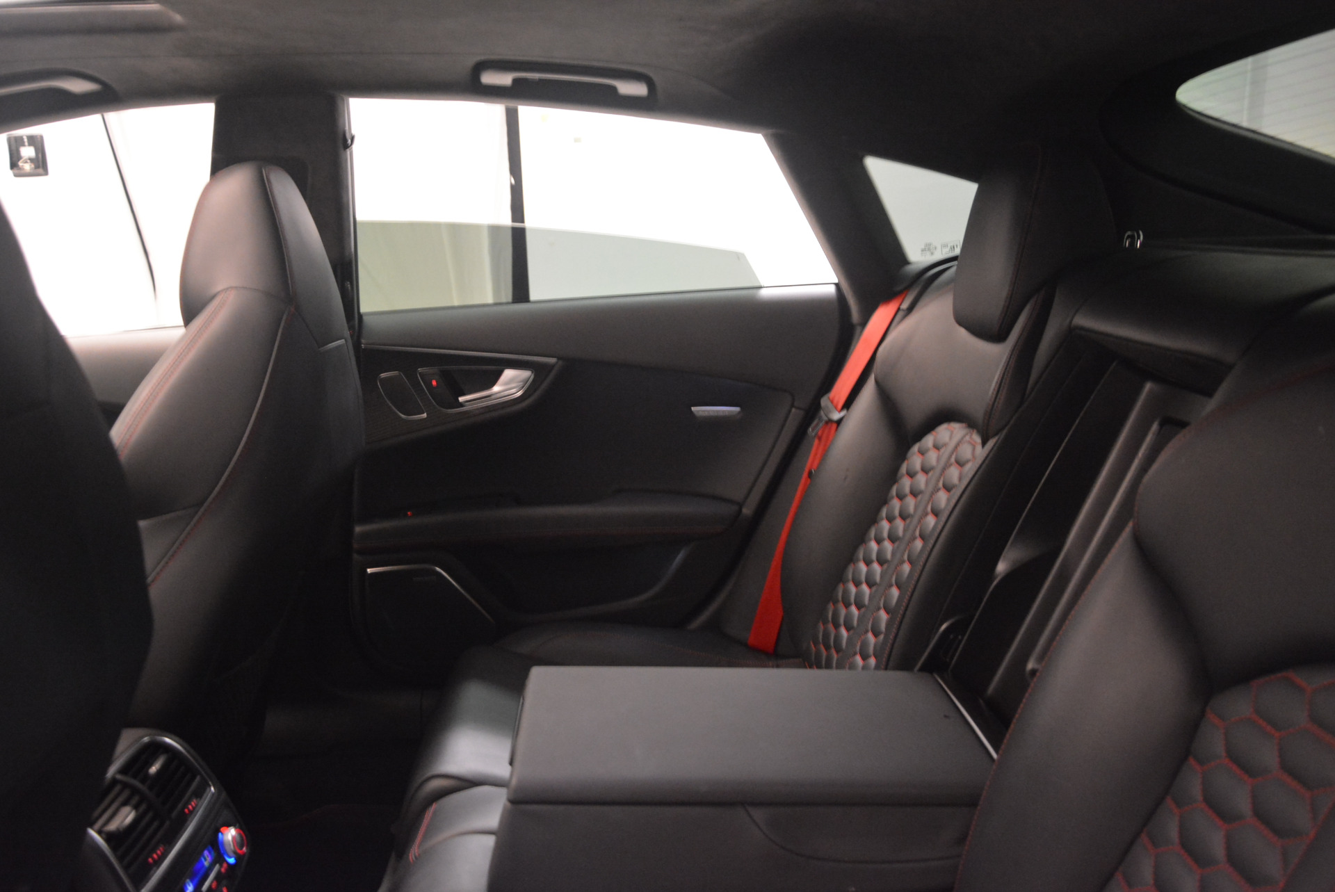 Used 2014 Audi RS 7 4.0T quattro Prestige For Sale In Westport, CT 1262_p36