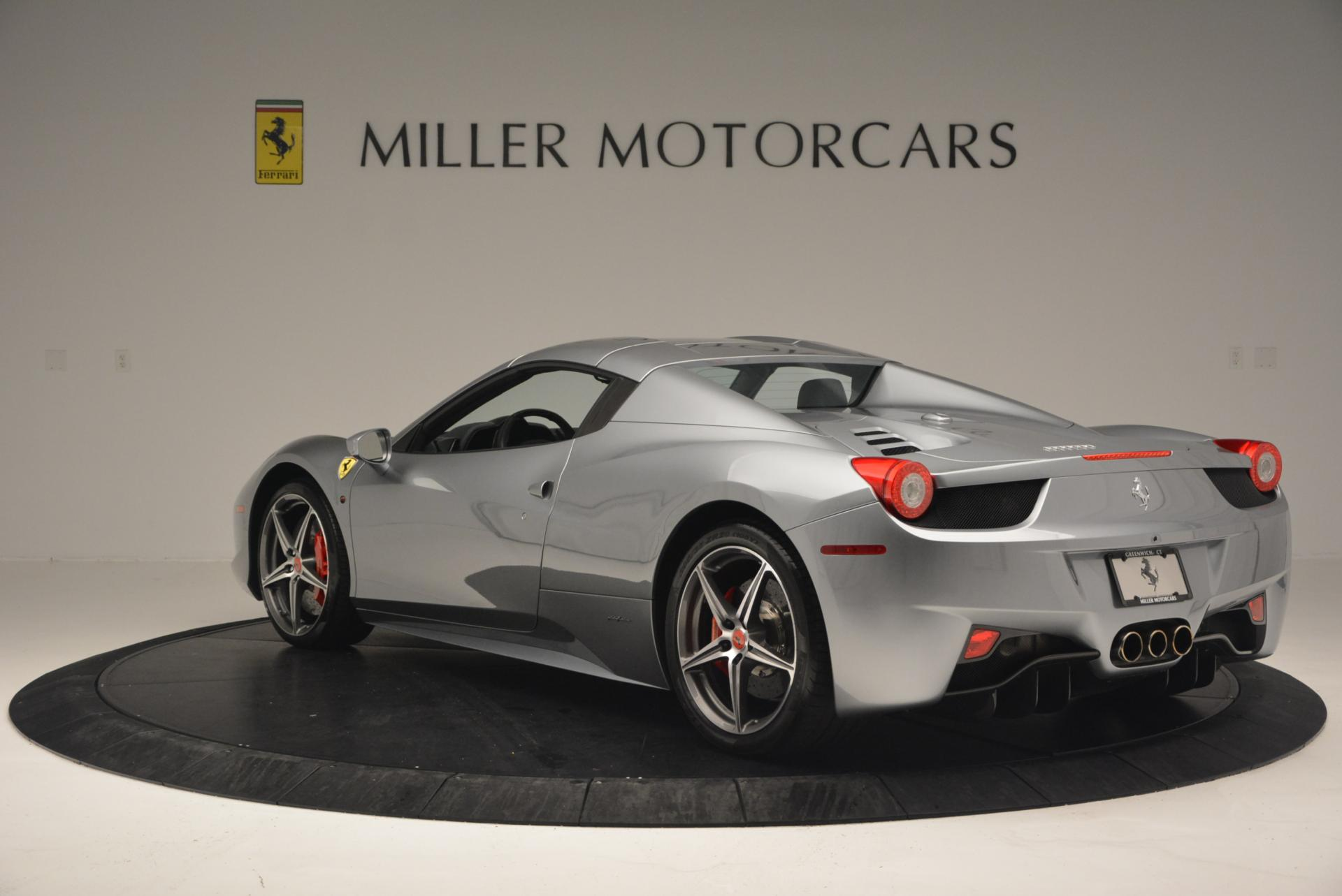 Used 2013 Ferrari 458 Spider  For Sale In Westport, CT 128_p17