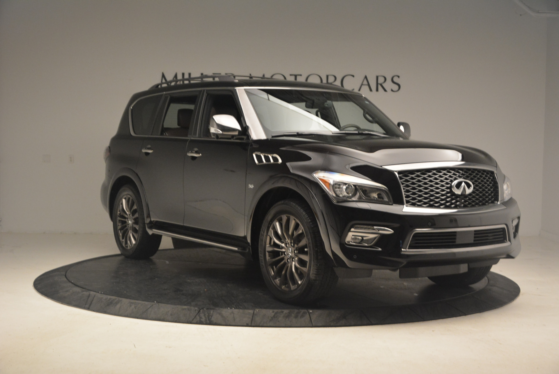 Used 2015 INFINITI QX80 Limited 4WD For Sale In Westport, CT 1289_p11
