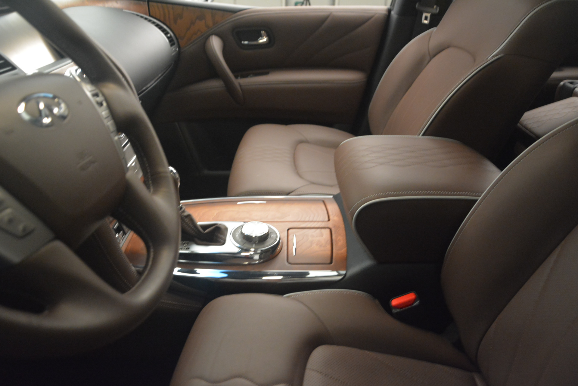 Used 2015 INFINITI QX80 Limited 4WD For Sale In Westport, CT 1289_p14