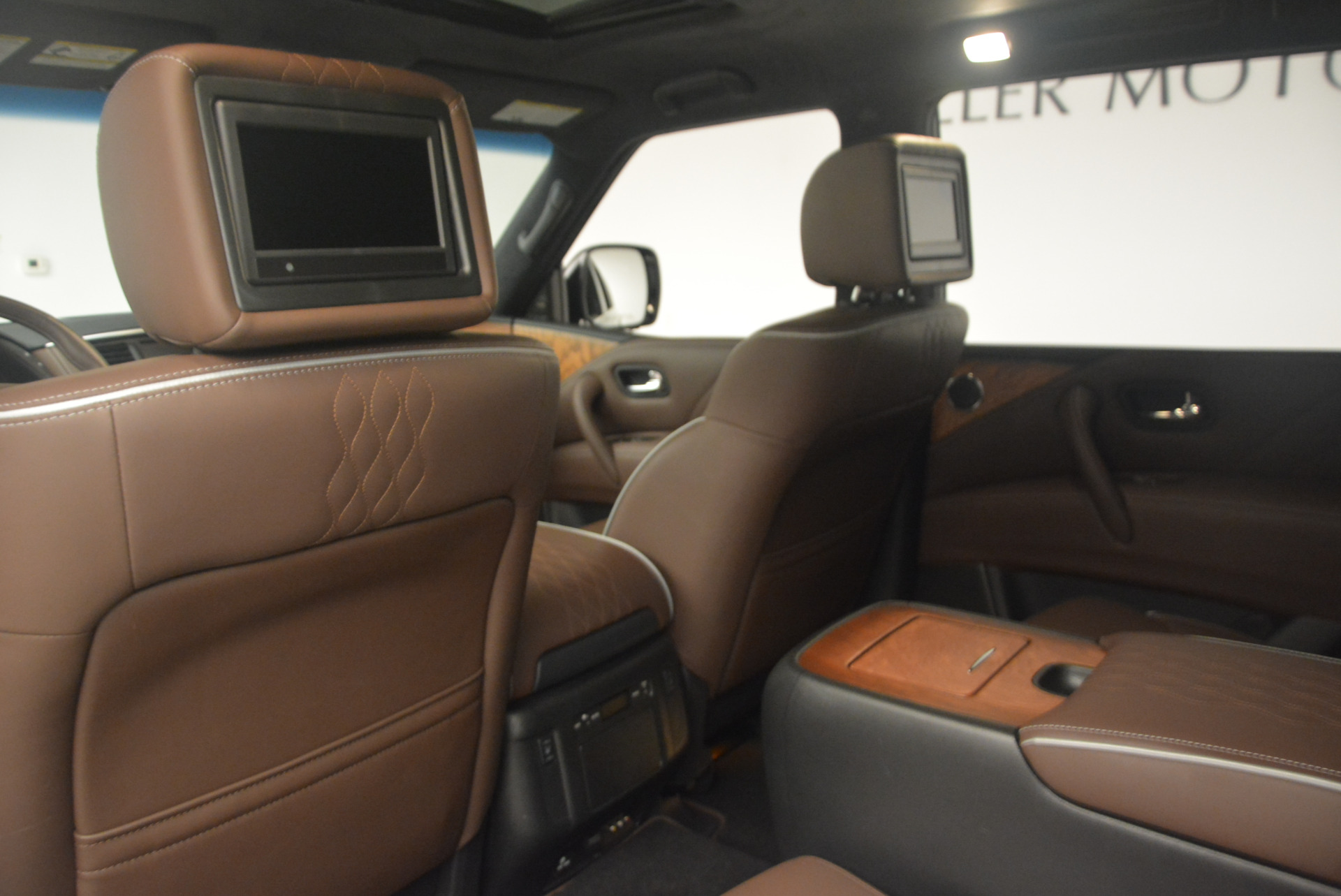 Used 2015 INFINITI QX80 Limited 4WD For Sale In Westport, CT 1289_p19