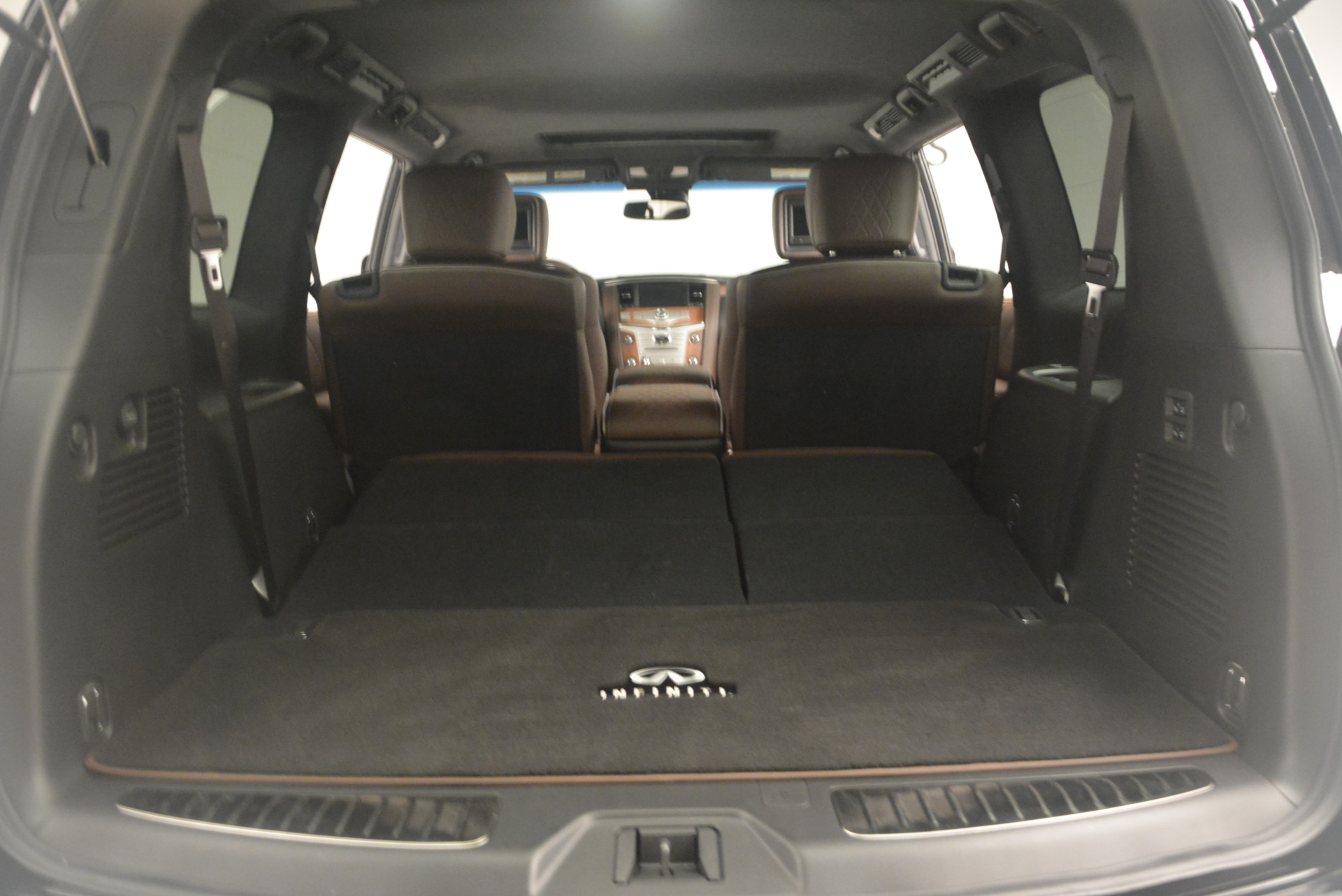 Used 2015 INFINITI QX80 Limited 4WD For Sale In Westport, CT 1289_p22