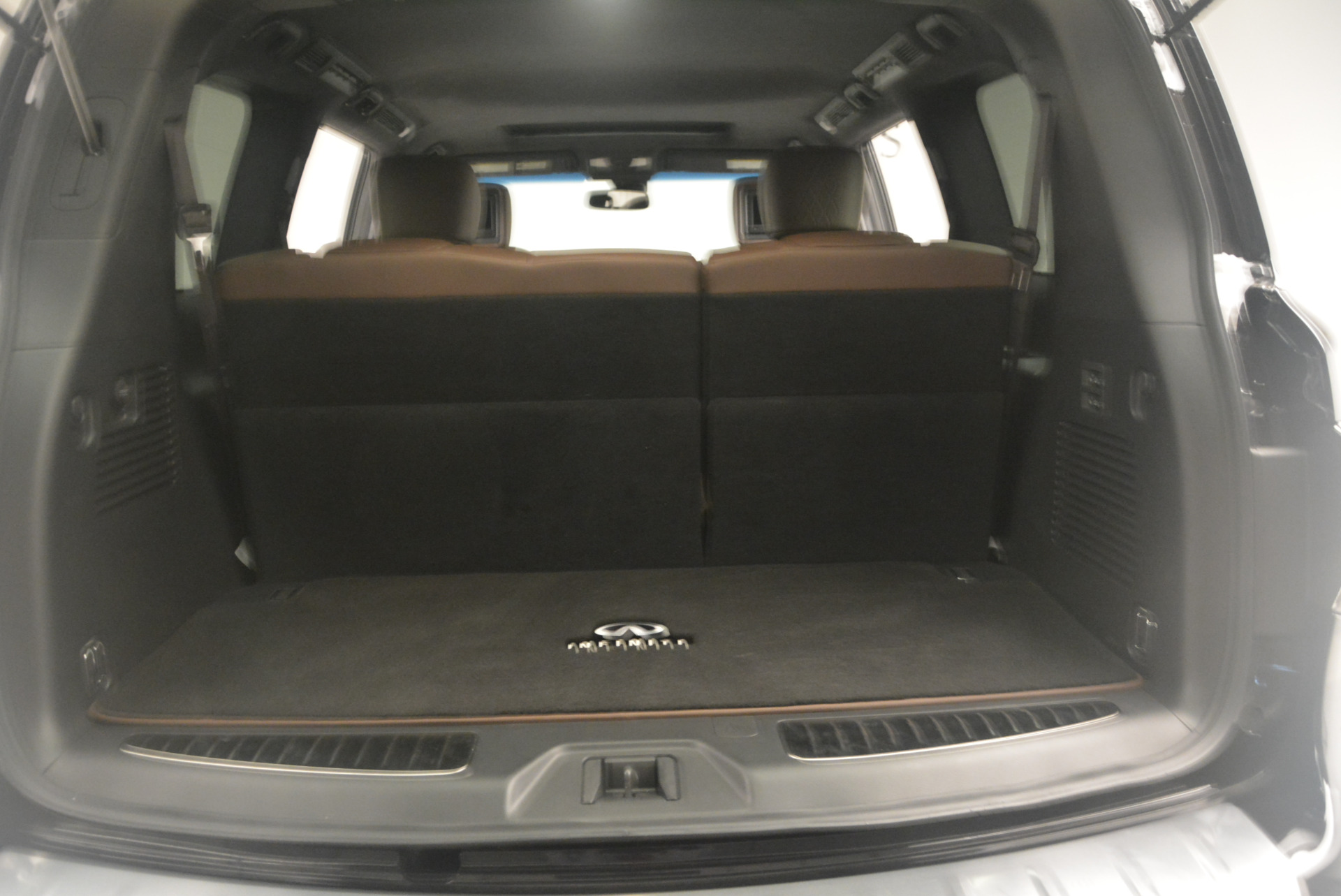 Used 2015 INFINITI QX80 Limited 4WD For Sale In Westport, CT 1289_p23