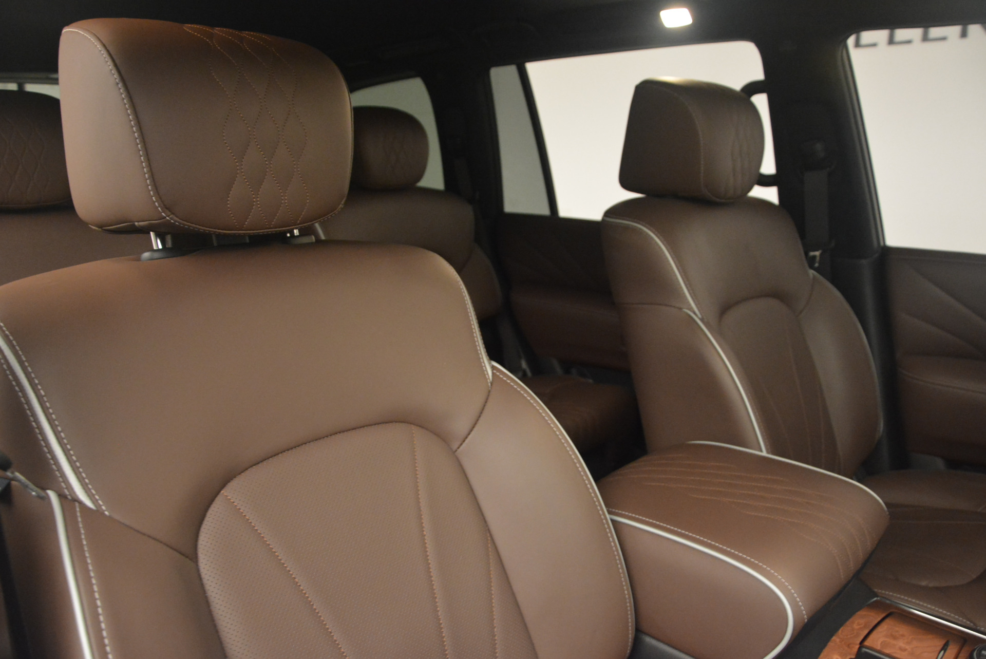 Used 2015 INFINITI QX80 Limited 4WD For Sale In Westport, CT 1289_p24
