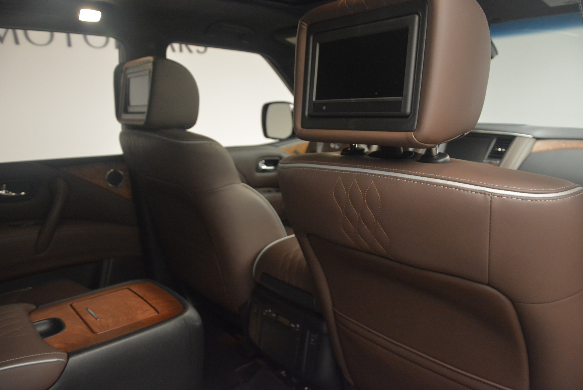 Used 2015 INFINITI QX80 Limited 4WD For Sale In Westport, CT 1289_p31
