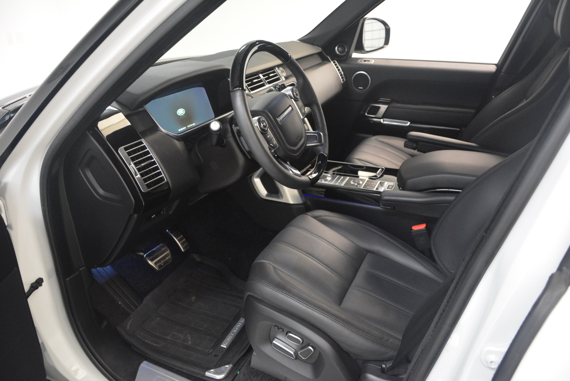 Used 2015 Land Rover Range Rover Supercharged For Sale In Westport, CT 1292_p17