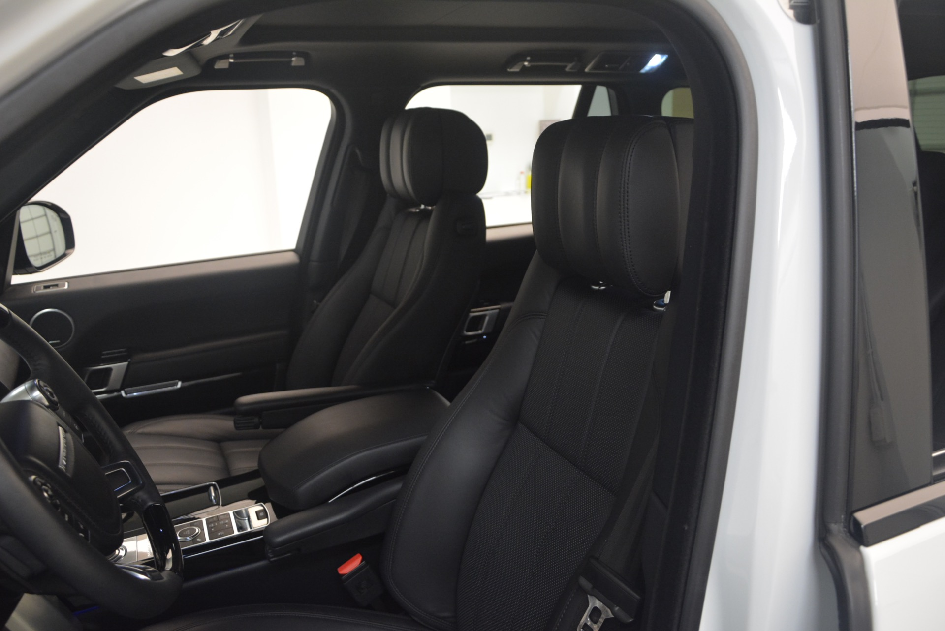 Used 2015 Land Rover Range Rover Supercharged For Sale In Westport, CT 1292_p19
