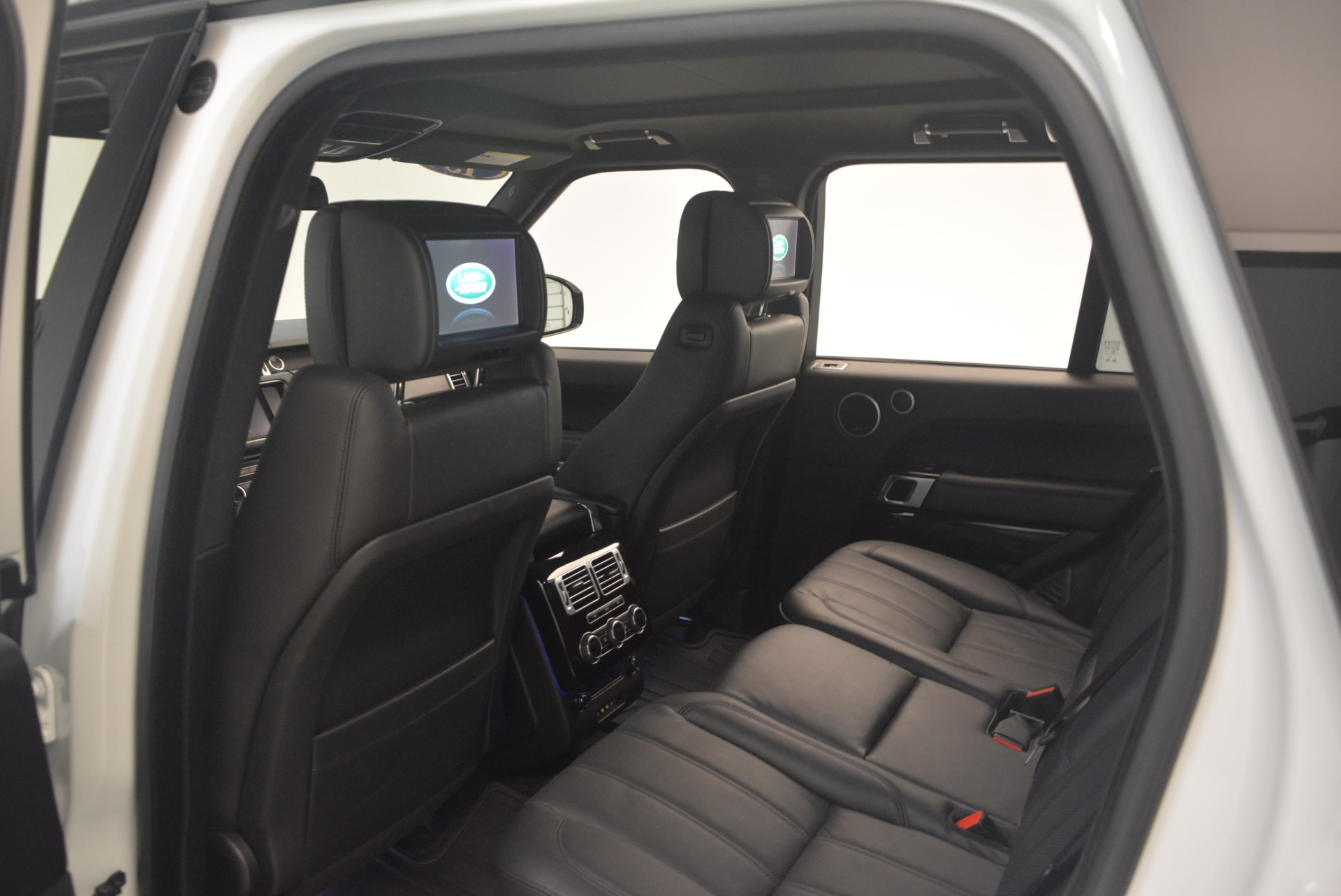 Used 2015 Land Rover Range Rover Supercharged For Sale In Westport, CT 1292_p22