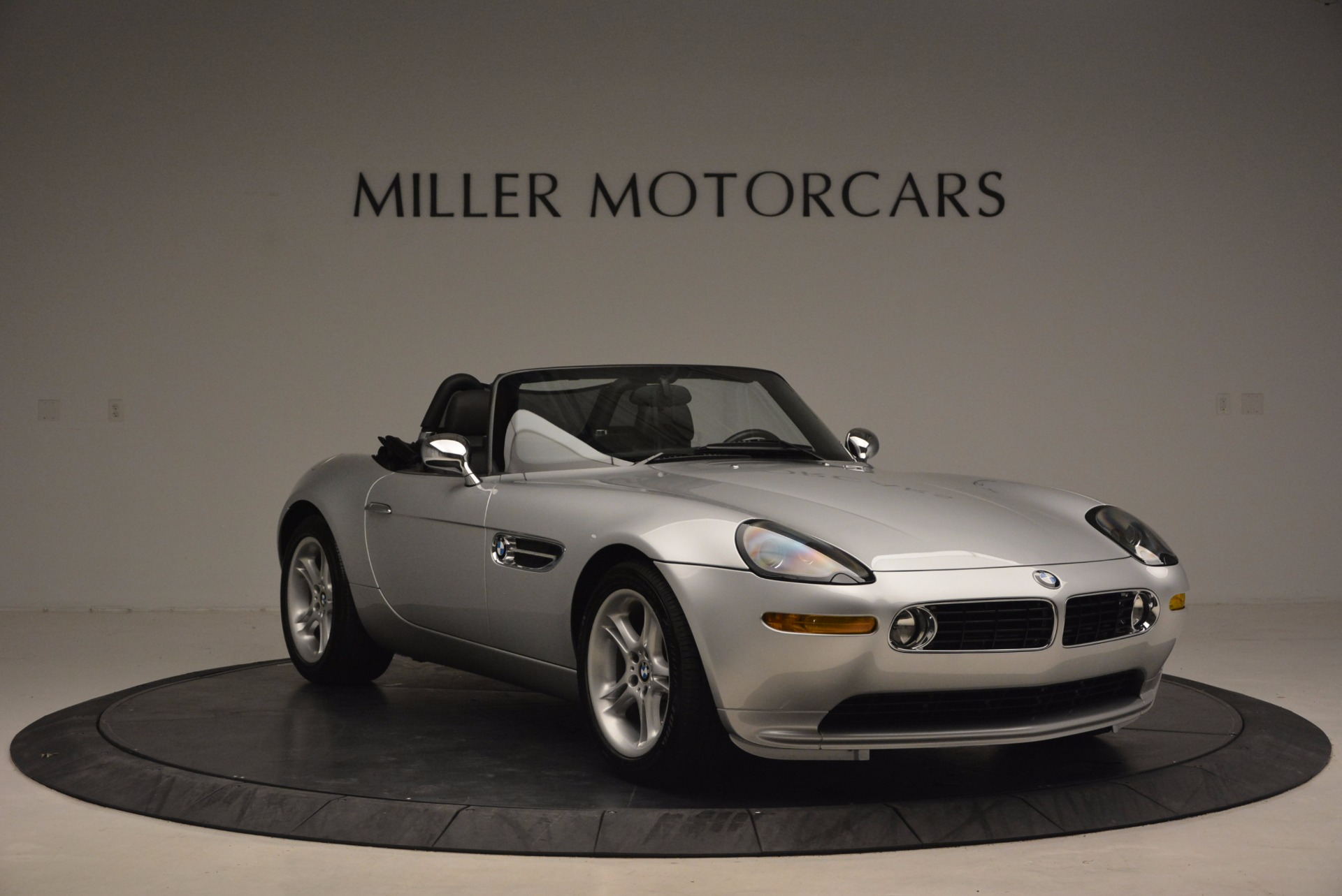 Used 2001 BMW Z8  For Sale In Westport, CT 1293_p11