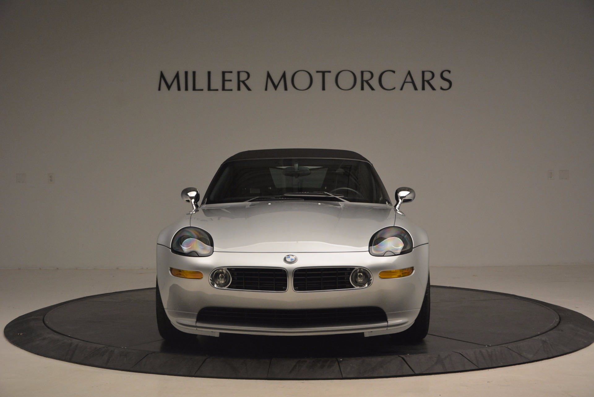 Used 2001 BMW Z8  For Sale In Westport, CT 1293_p24
