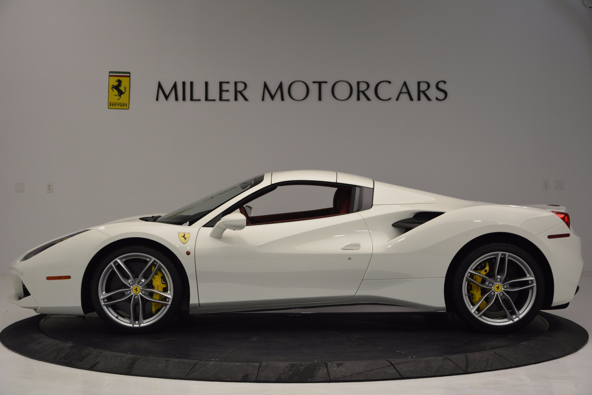 Used 2017 Ferrari 488 Spider  For Sale In Westport, CT 1296_p15