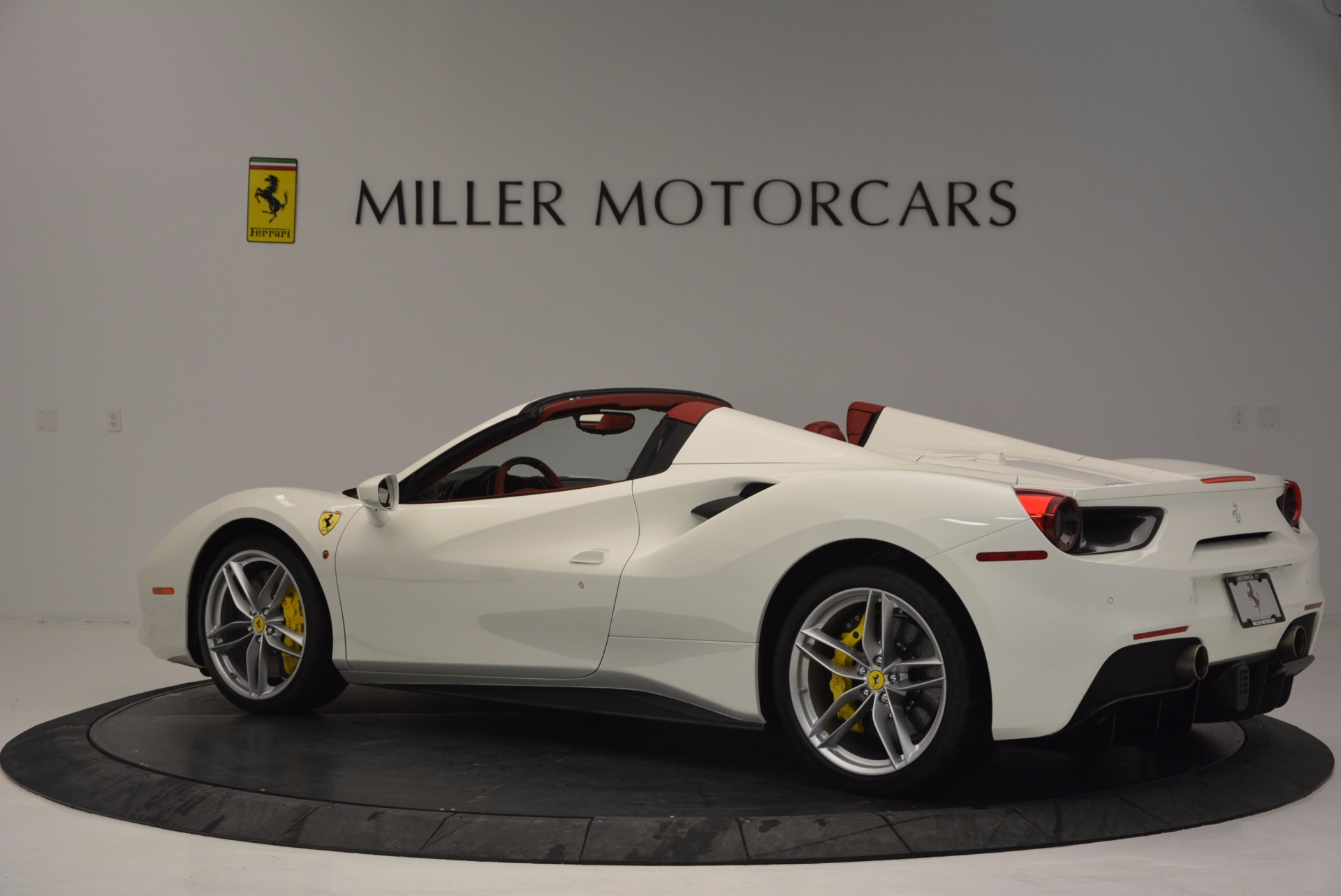 Used 2017 Ferrari 488 Spider  For Sale In Westport, CT 1296_p4
