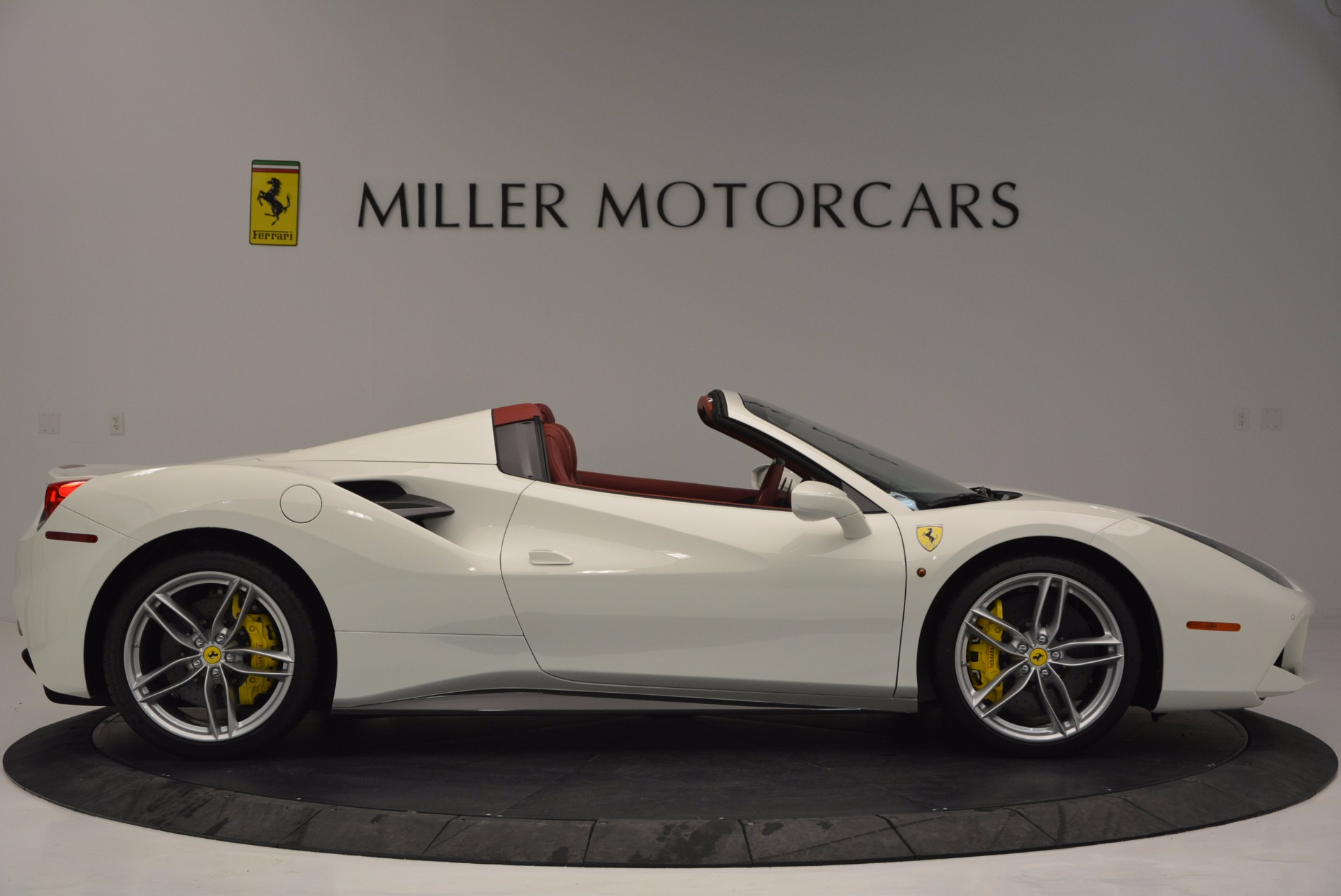 Used 2017 Ferrari 488 Spider  For Sale In Westport, CT 1296_p9