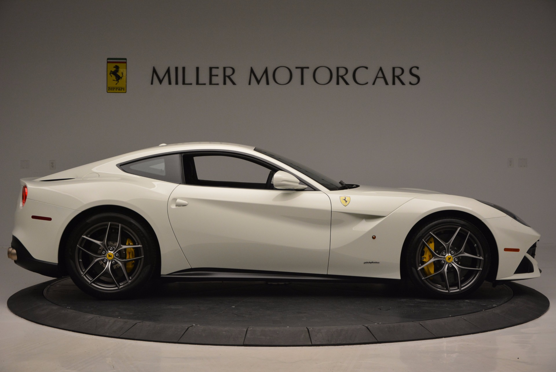 Used 2017 Ferrari F12 Berlinetta  For Sale In Westport, CT 1297_p9