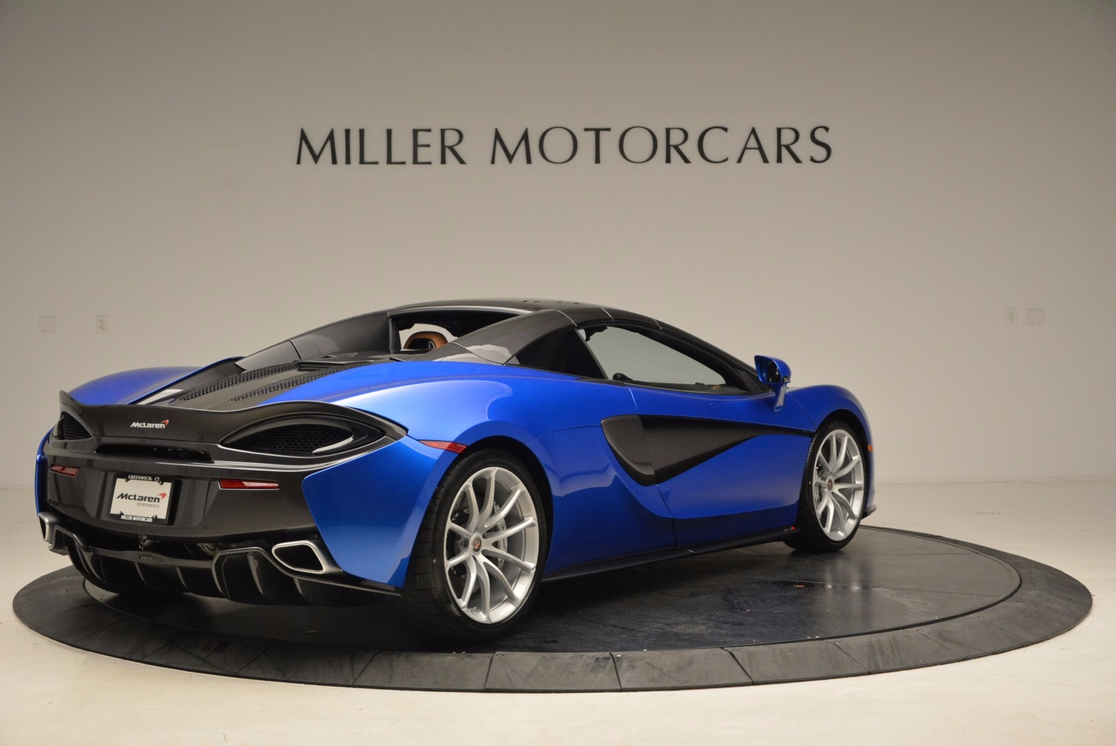 Used 2018 McLaren 570S Spider For Sale In Westport, CT 1303_p19