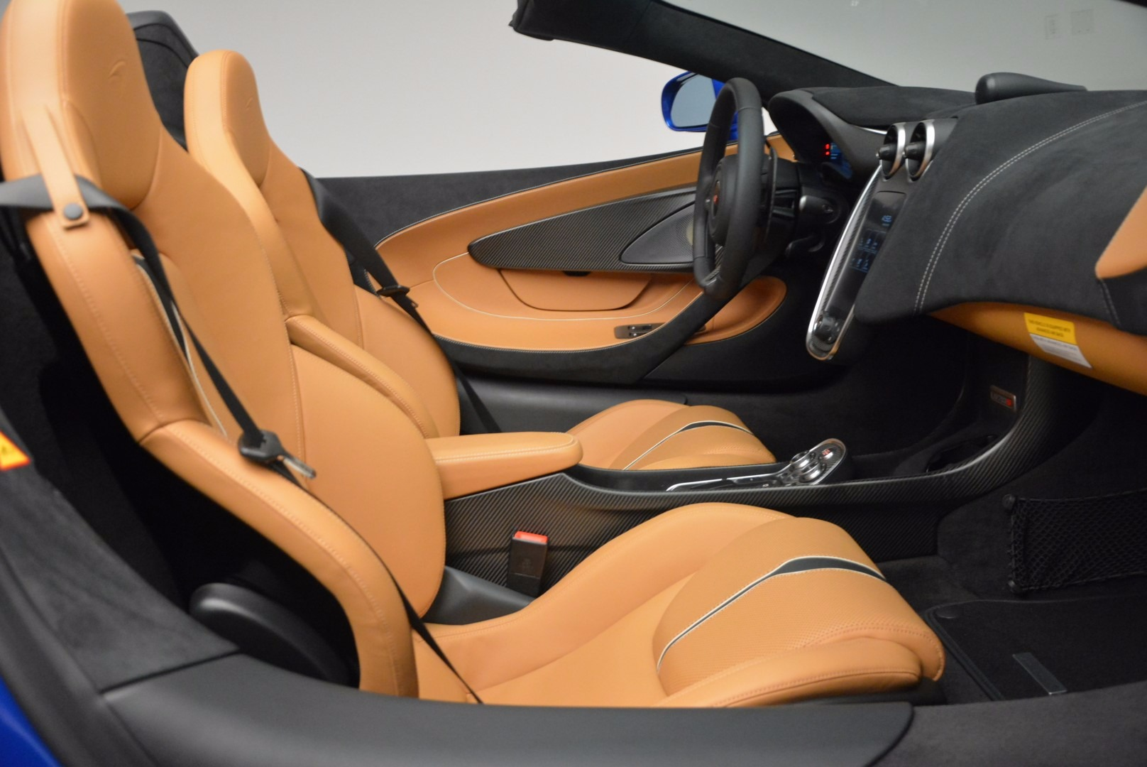 Used 2018 McLaren 570S Spider For Sale In Westport, CT 1303_p30