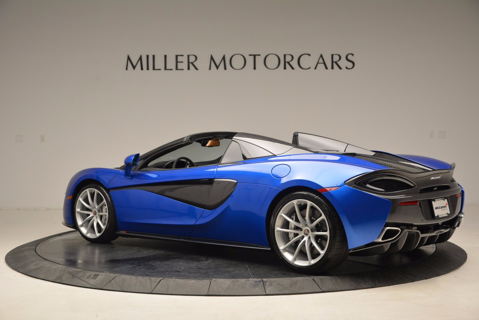 Used 2018 McLaren 570S Spider For Sale In Westport, CT 1303_p4