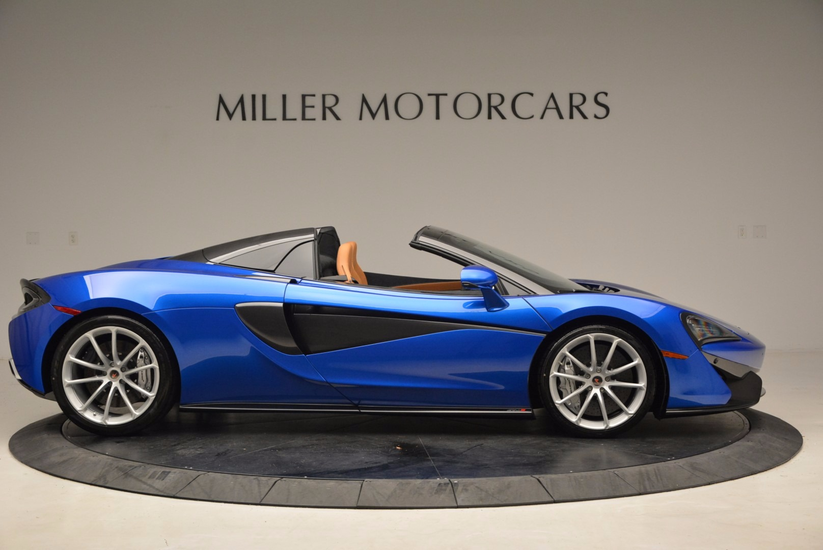 Used 2018 McLaren 570S Spider For Sale In Westport, CT 1303_p9