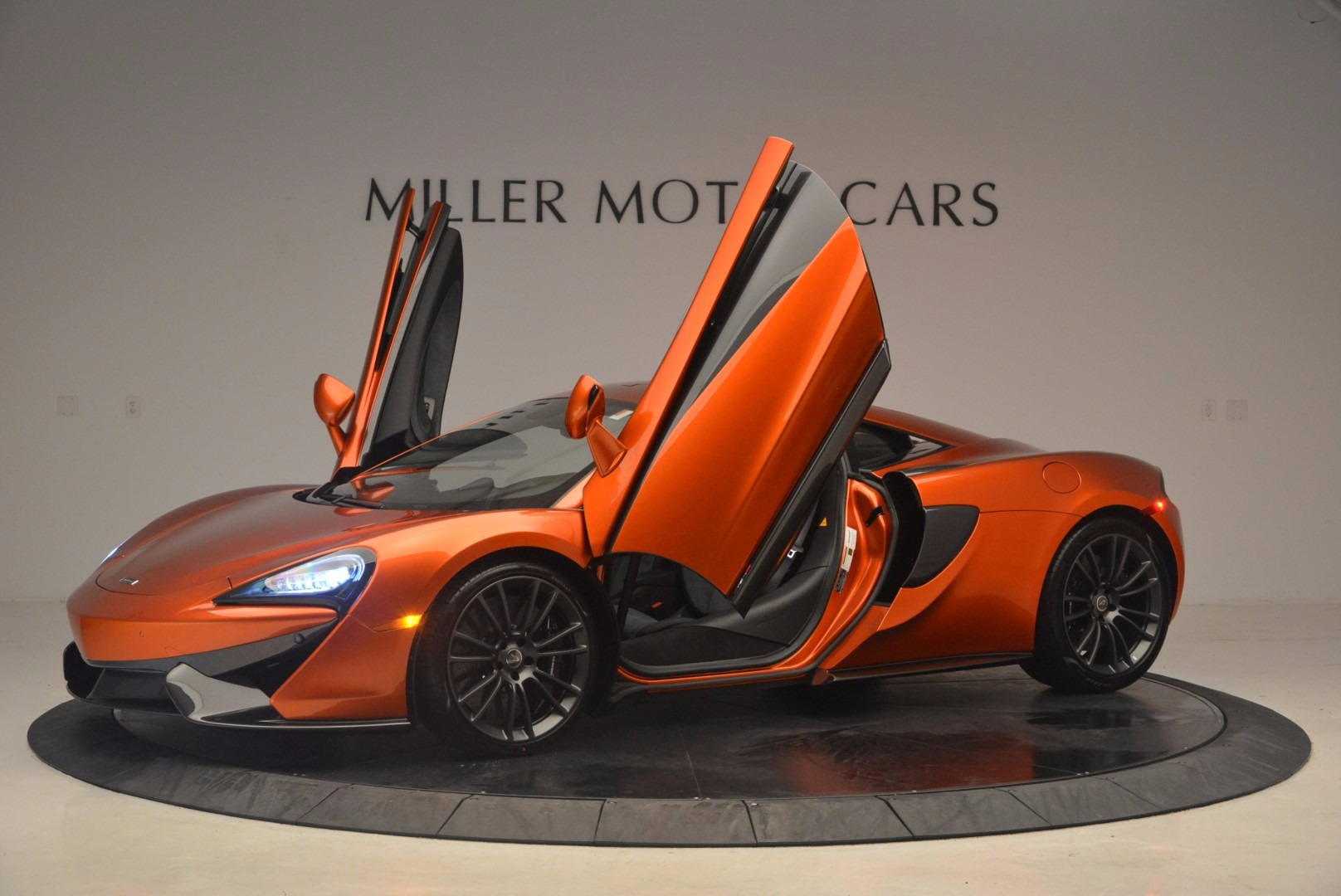 Used 2017 McLaren 570S  For Sale In Westport, CT 1304_p16