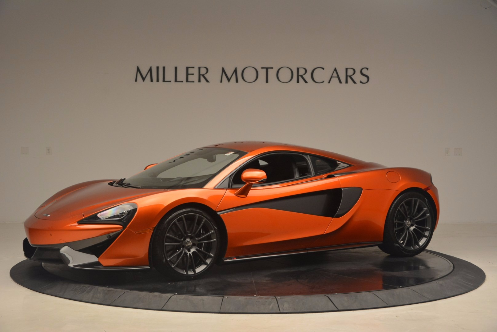 Used 2017 McLaren 570S  For Sale In Westport, CT 1304_p2