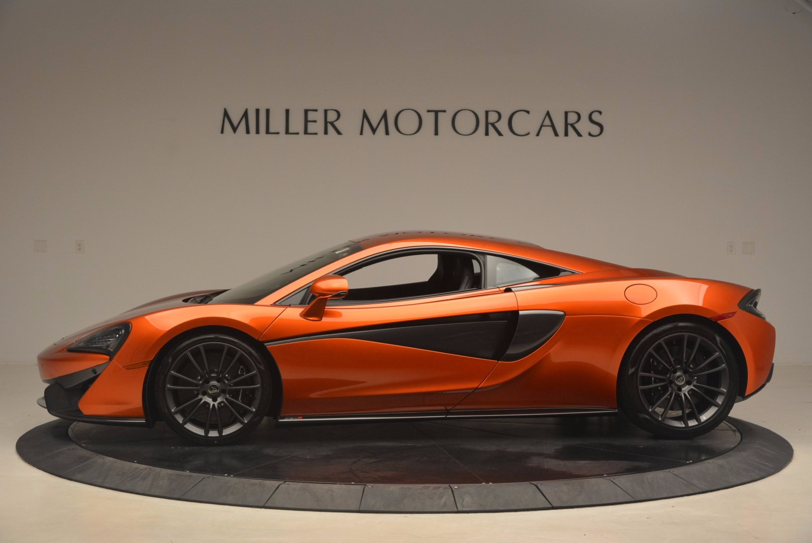 Used 2017 McLaren 570S  For Sale In Westport, CT 1304_p3