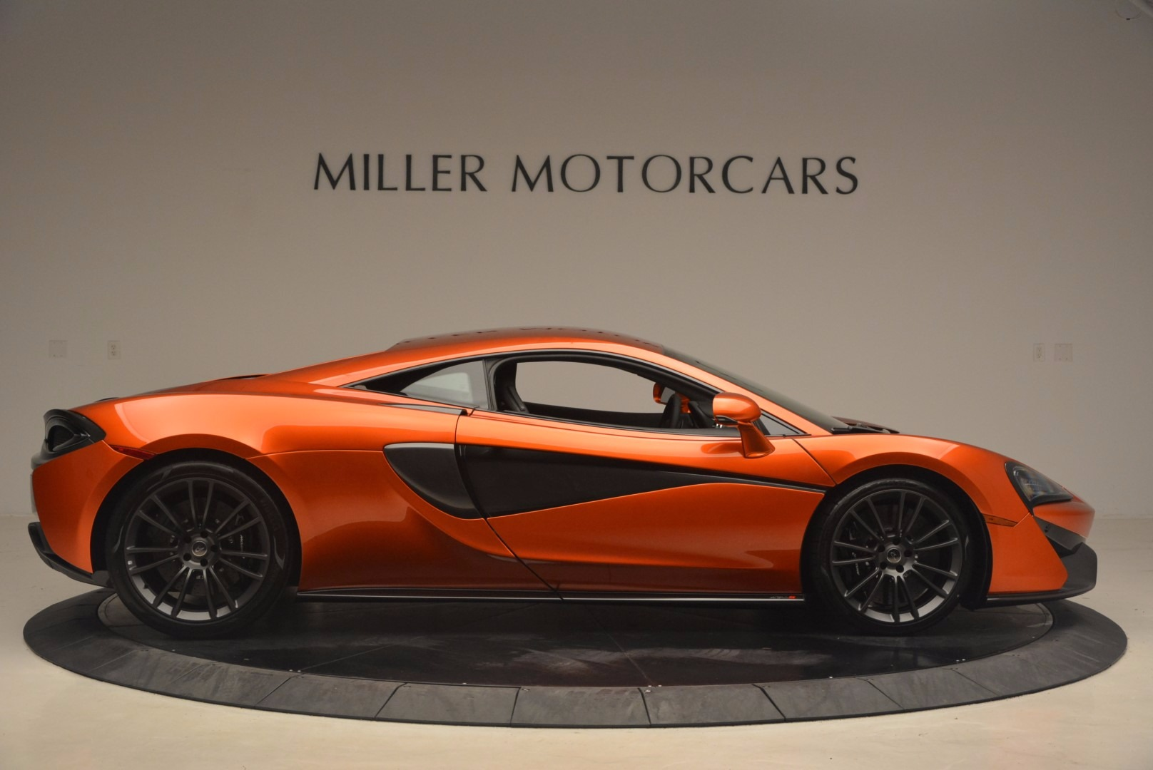 Used 2017 McLaren 570S  For Sale In Westport, CT 1304_p9