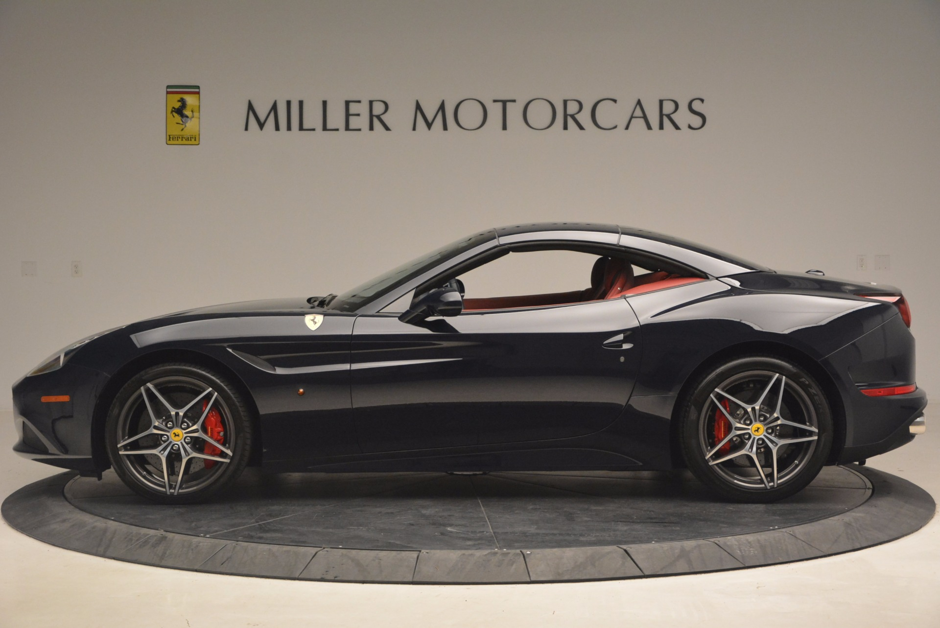 Used 2017 Ferrari California T  For Sale In Westport, CT 1330_p15