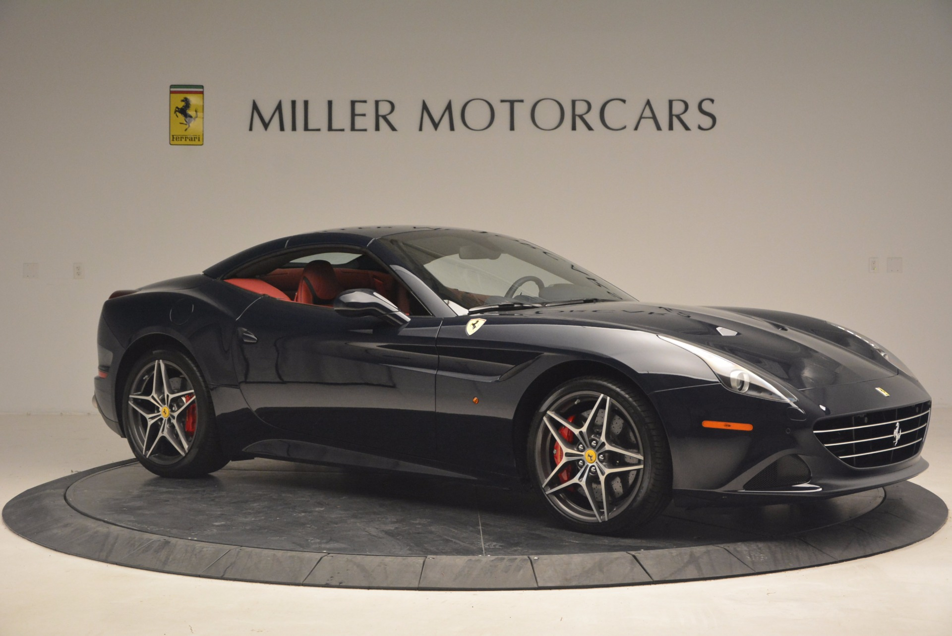 Used 2017 Ferrari California T  For Sale In Westport, CT 1330_p22