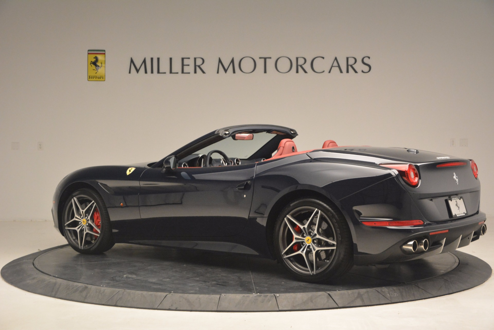 Used 2017 Ferrari California T  For Sale In Westport, CT 1330_p4