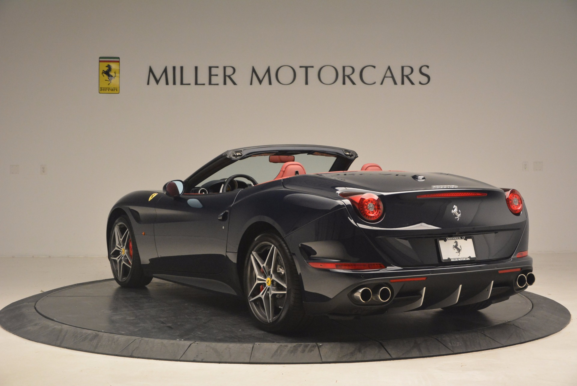 Used 2017 Ferrari California T  For Sale In Westport, CT 1330_p5