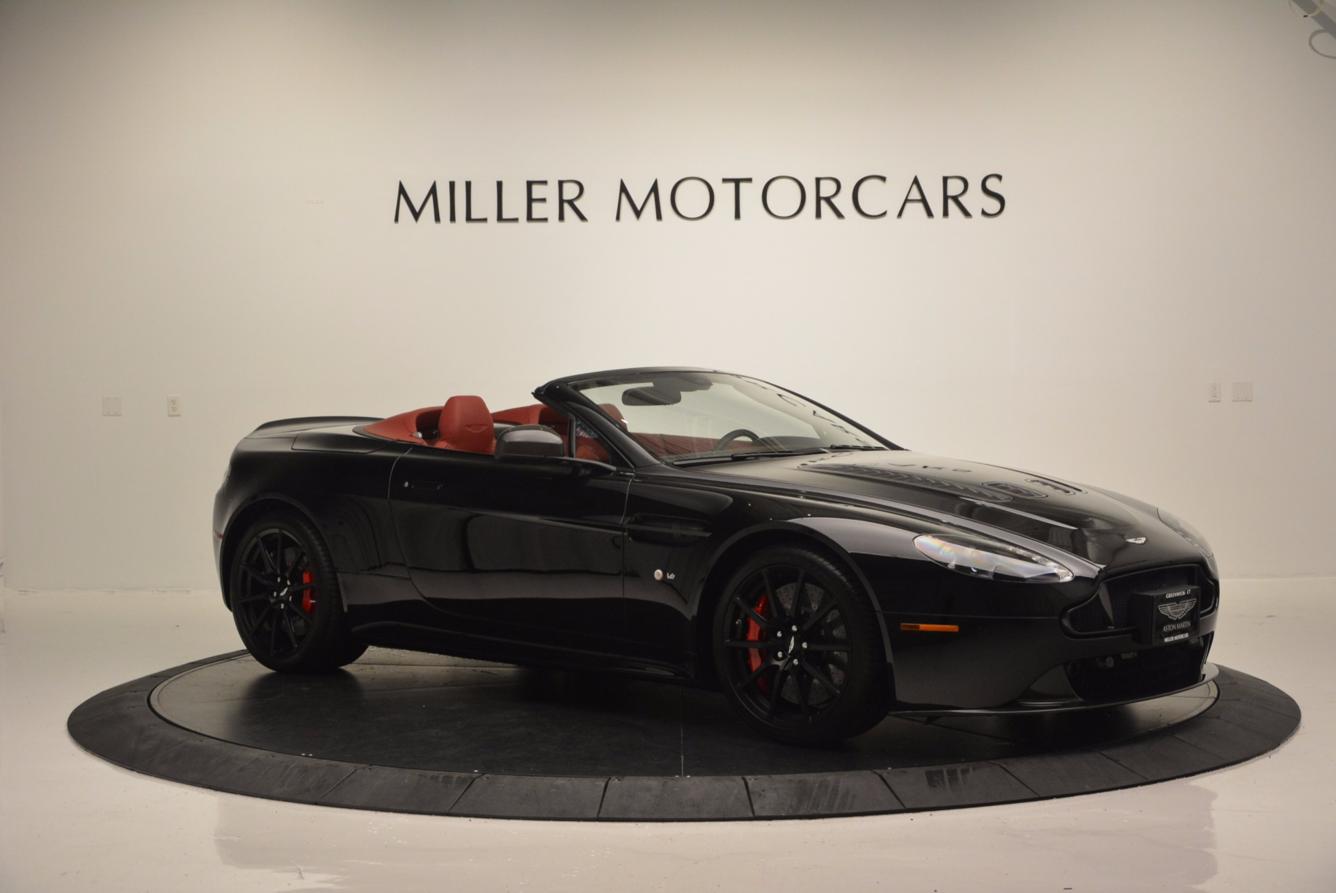 Used 2015 Aston Martin V12 Vantage S Roadster For Sale In Westport, CT 1335_p10
