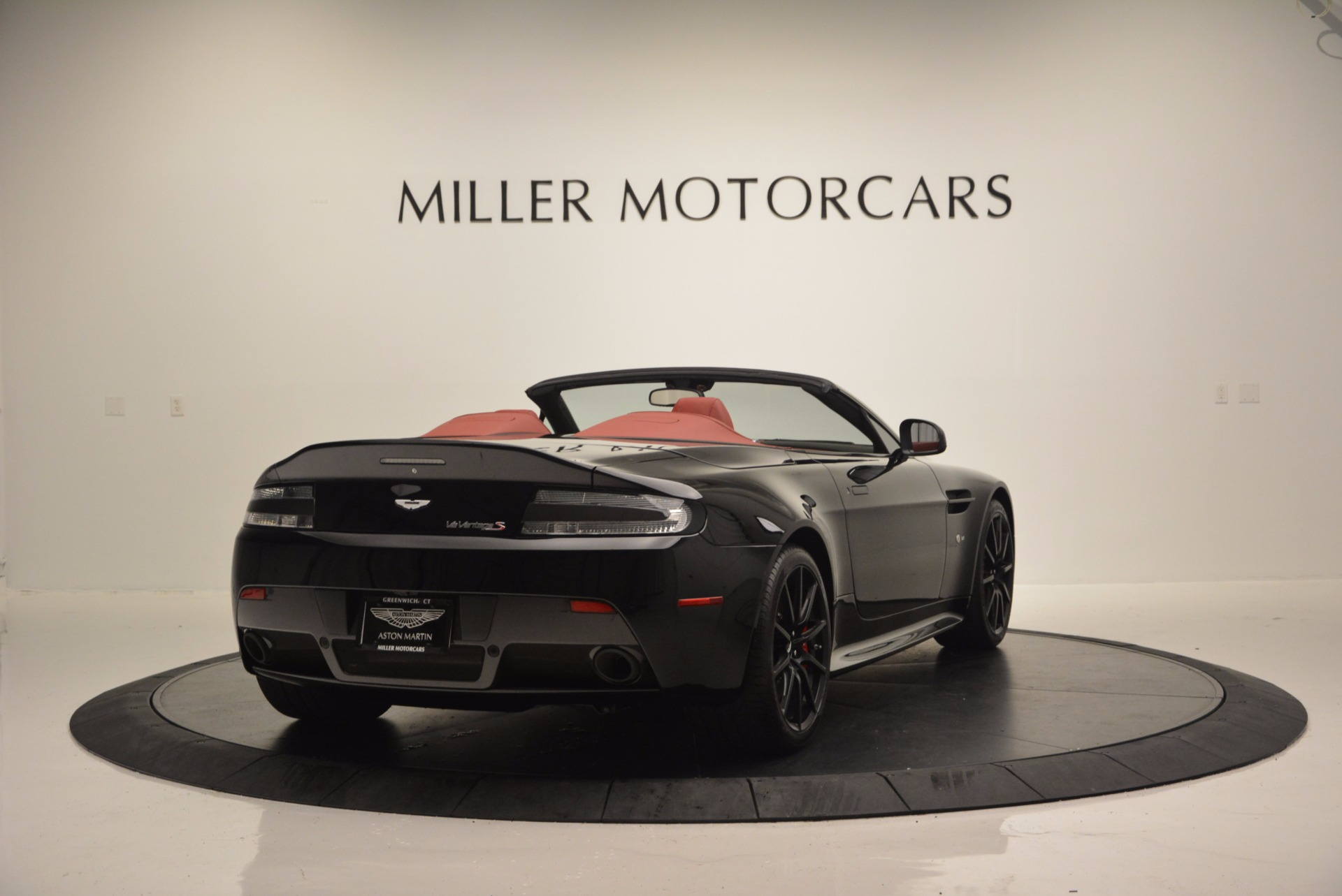 Used 2015 Aston Martin V12 Vantage S Roadster For Sale In Westport, CT 1335_p7
