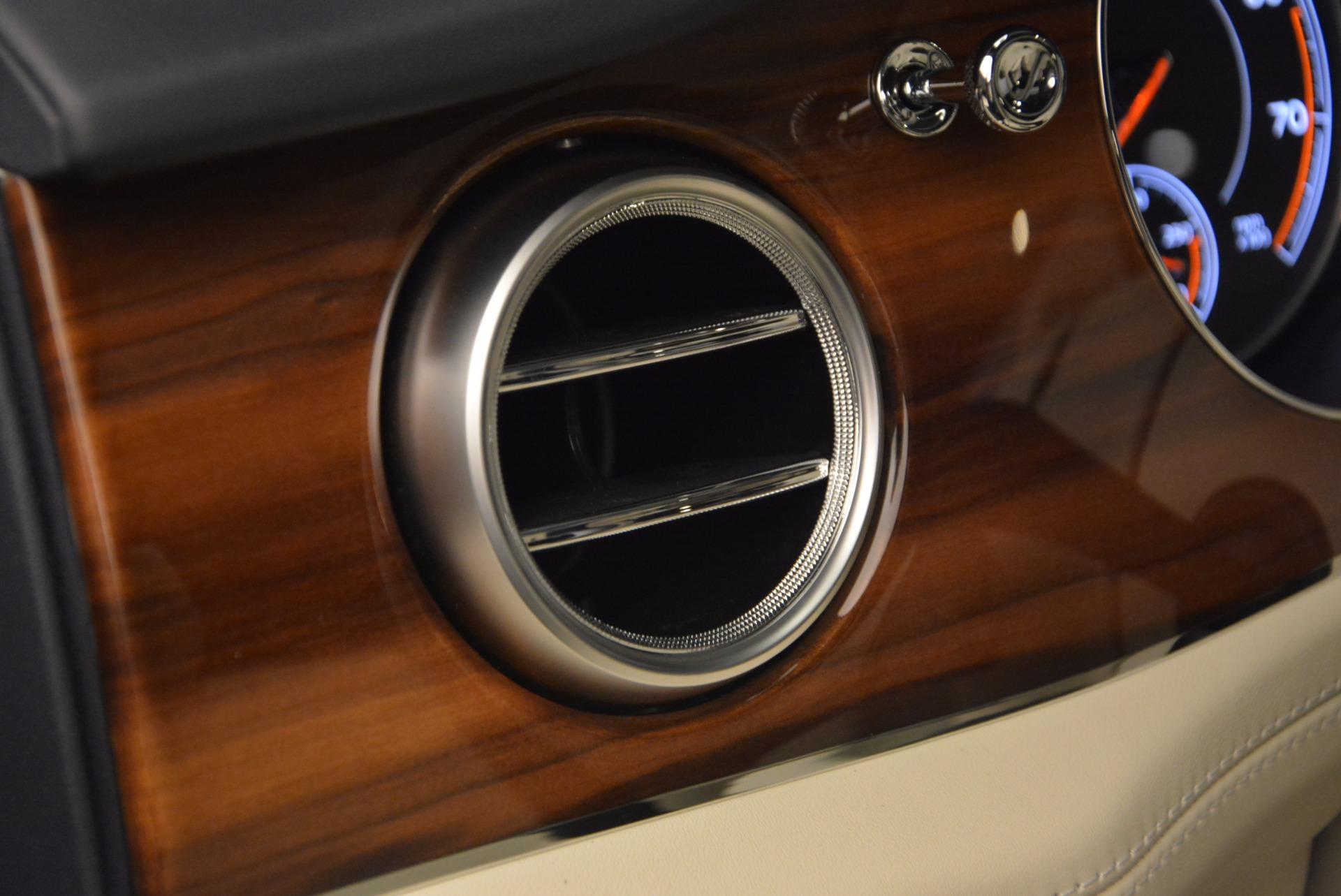 New 2018 Bentley Bentayga  For Sale In Westport, CT 1342_p29