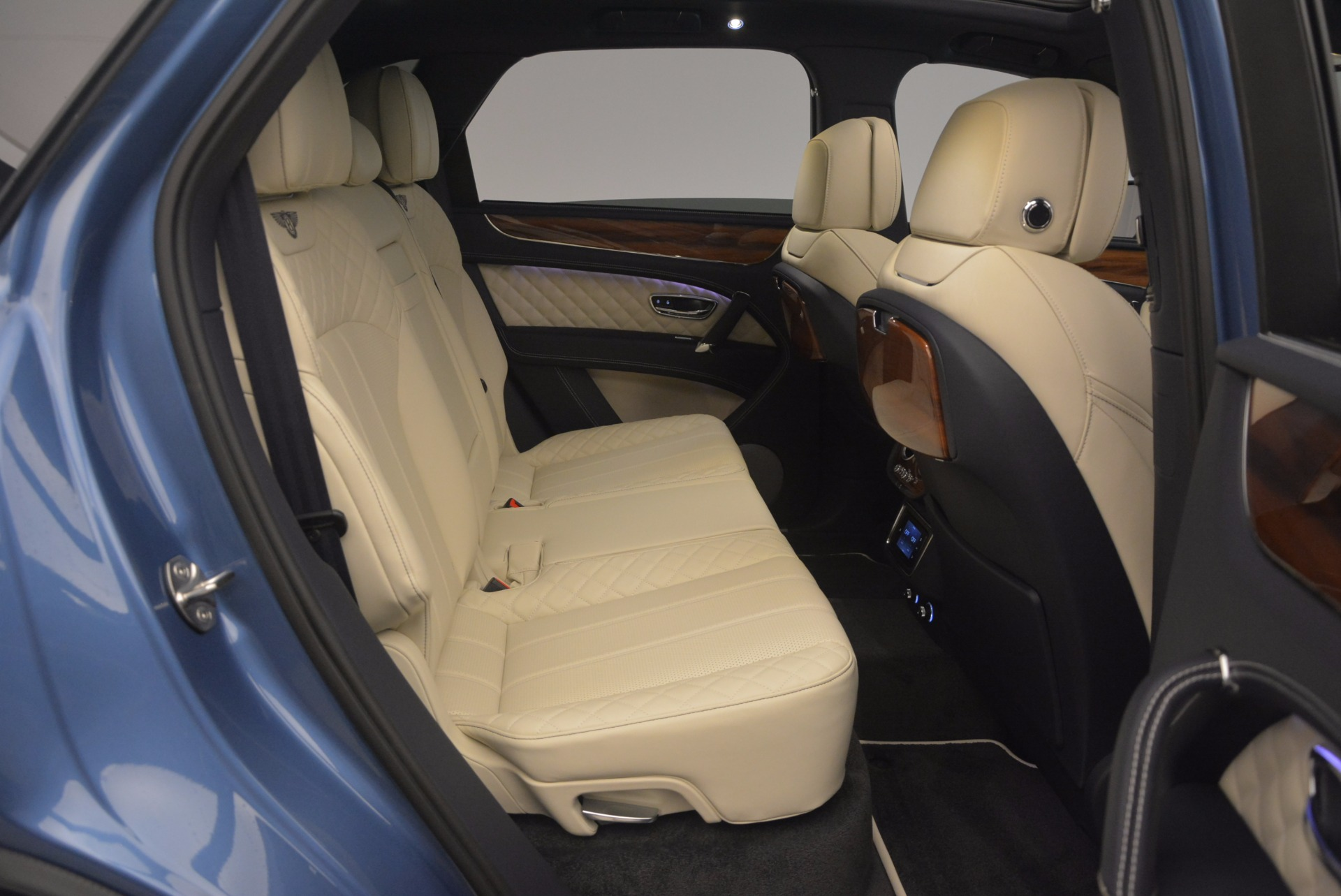 New 2018 Bentley Bentayga  For Sale In Westport, CT 1342_p48