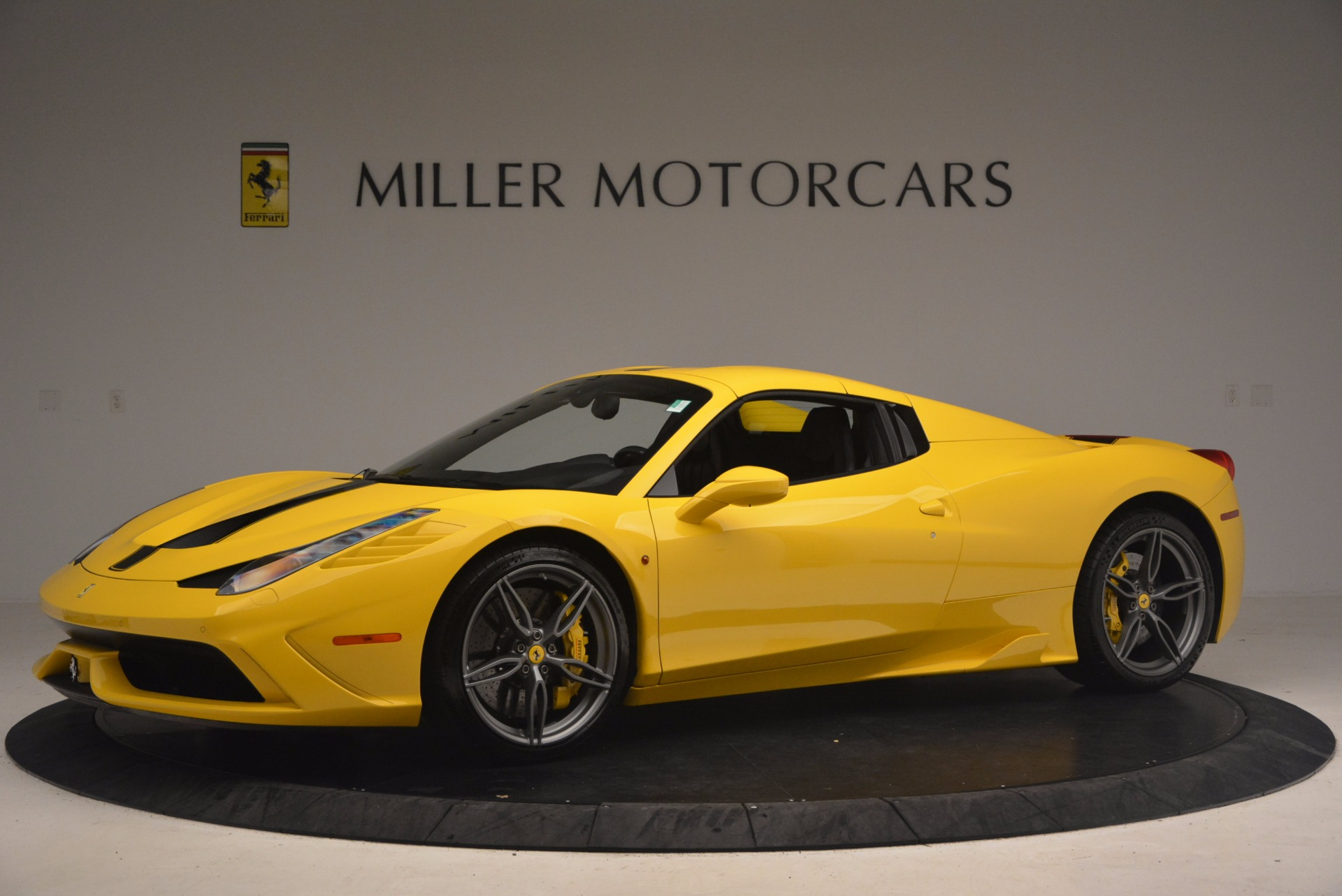 Used 2015 Ferrari 458 Speciale Aperta  For Sale In Westport, CT 1360_p14
